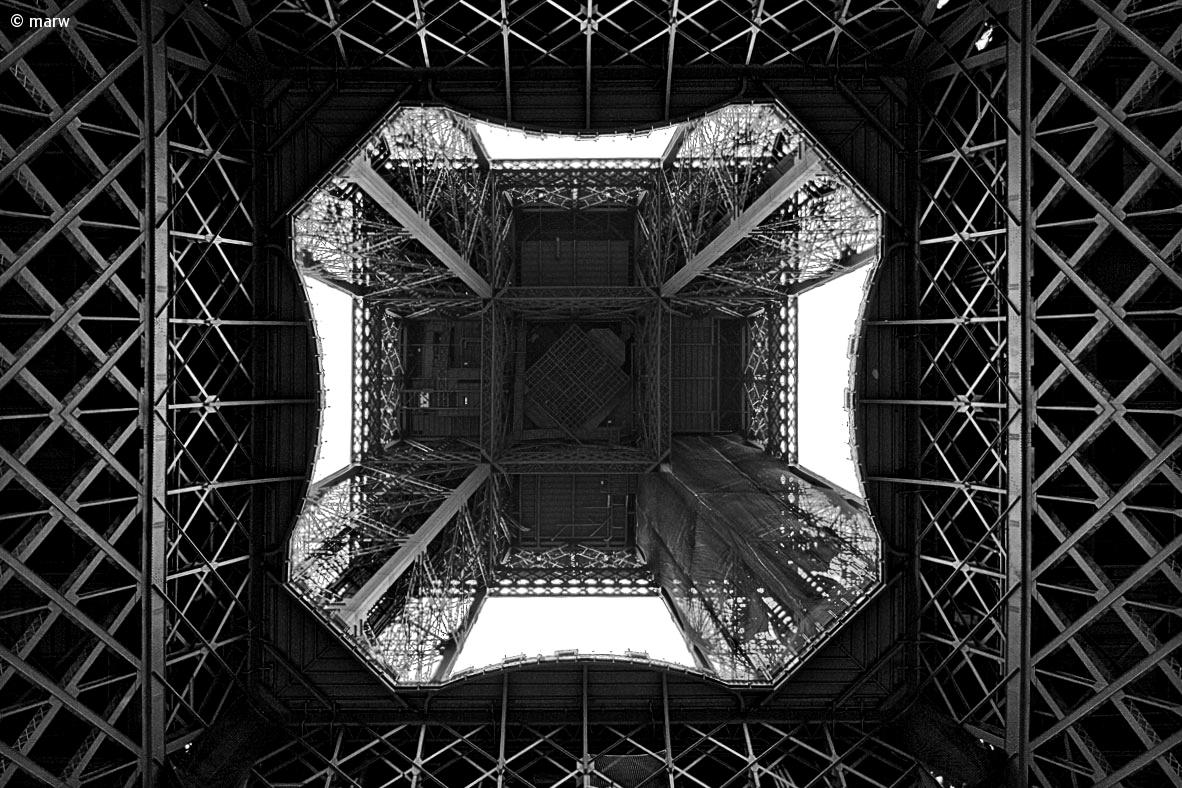 Paris Tour Eiffel...