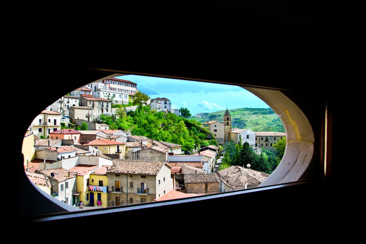 Dalla finestra!!!...