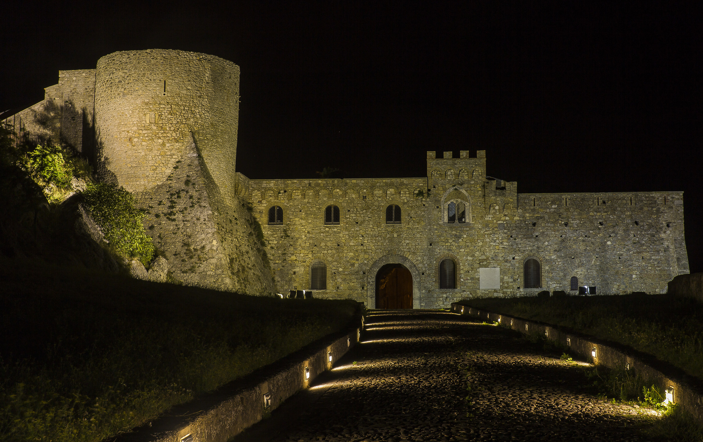 Castello Ducale Bovino (2)...