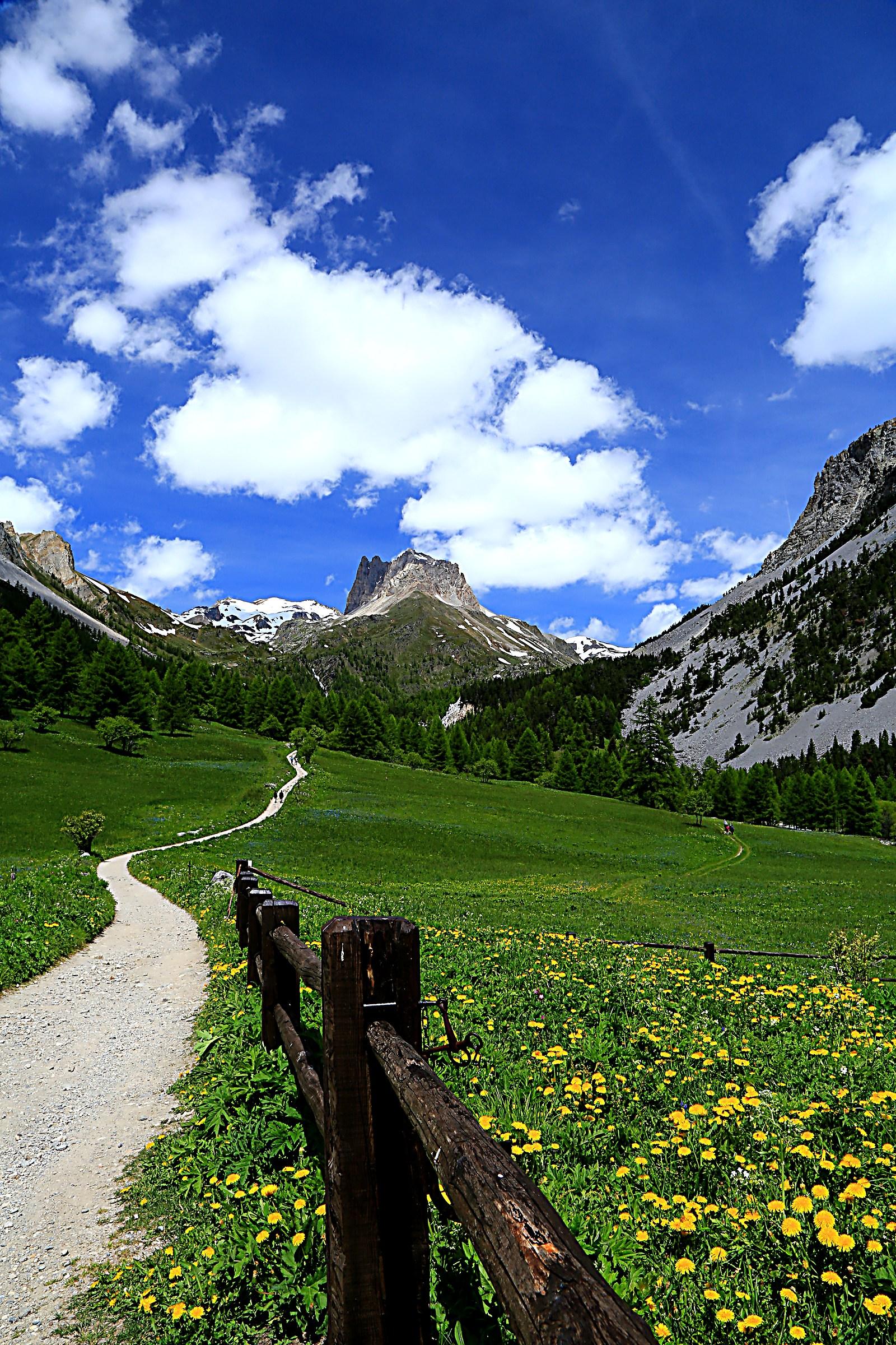 # 1 in Valle Stretta...
