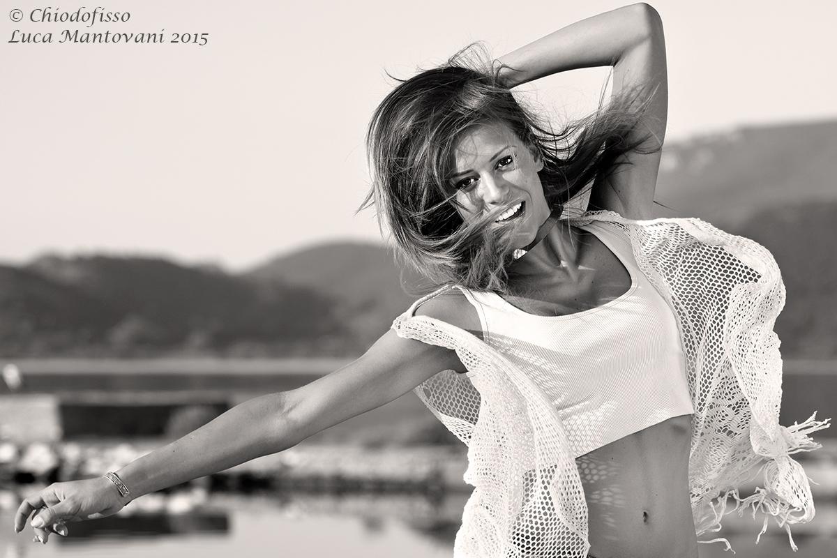 Simona ... flying!...
