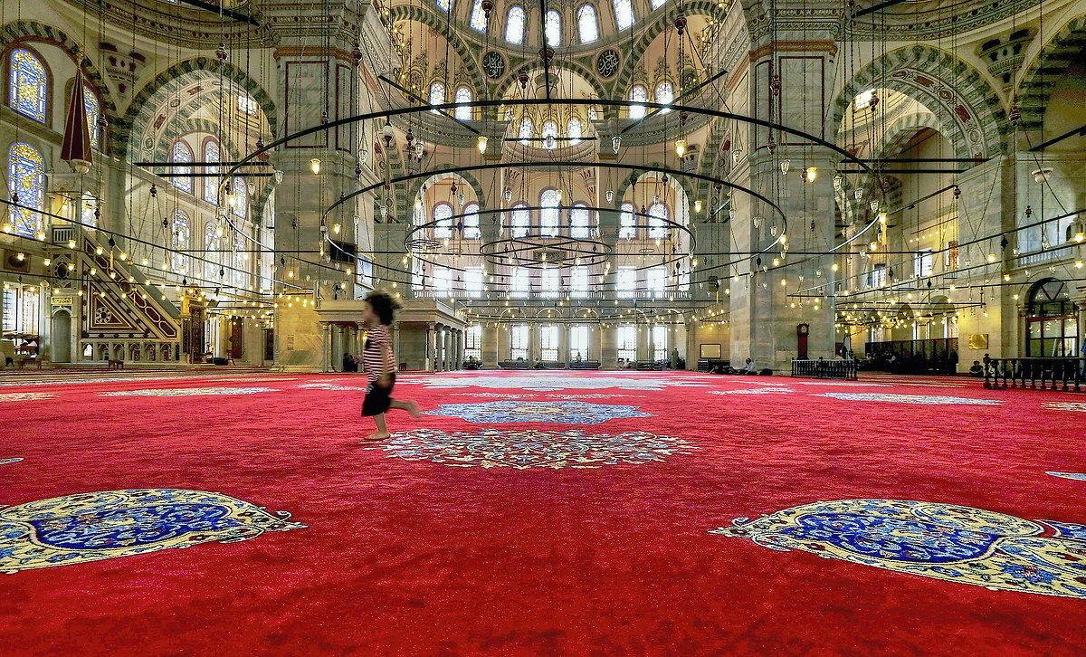 Una corsa nella moschea...