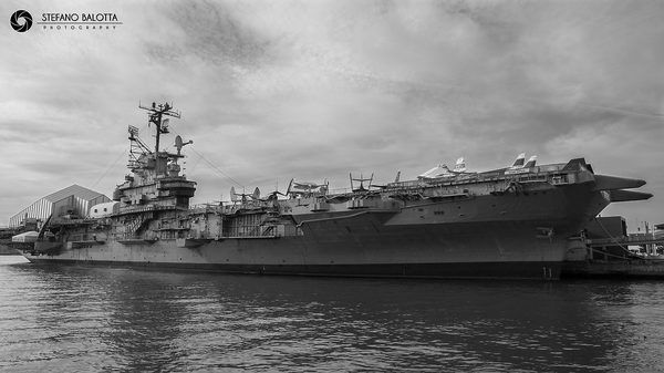 Uss intrepid nyc juzaphoto - Portaerei new york ...