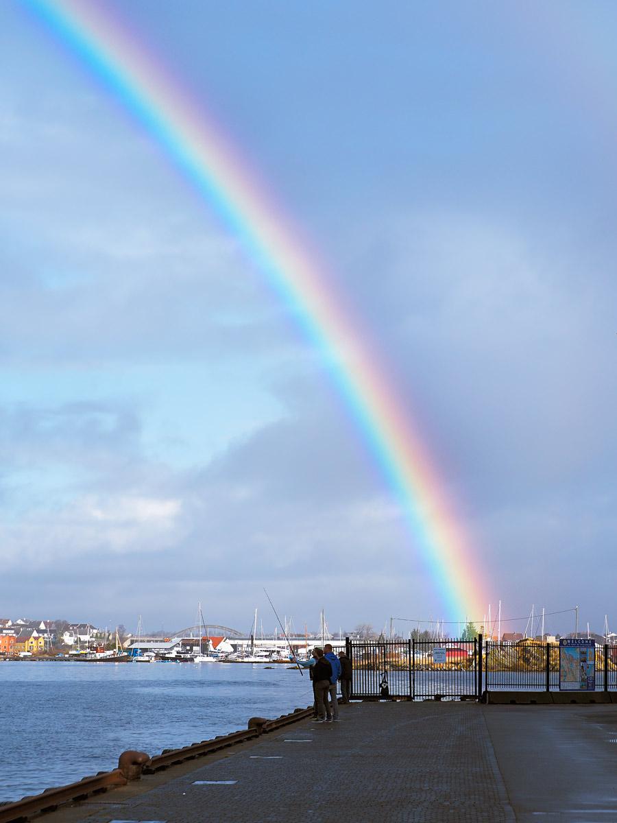Fishermen under rainbow !!...
