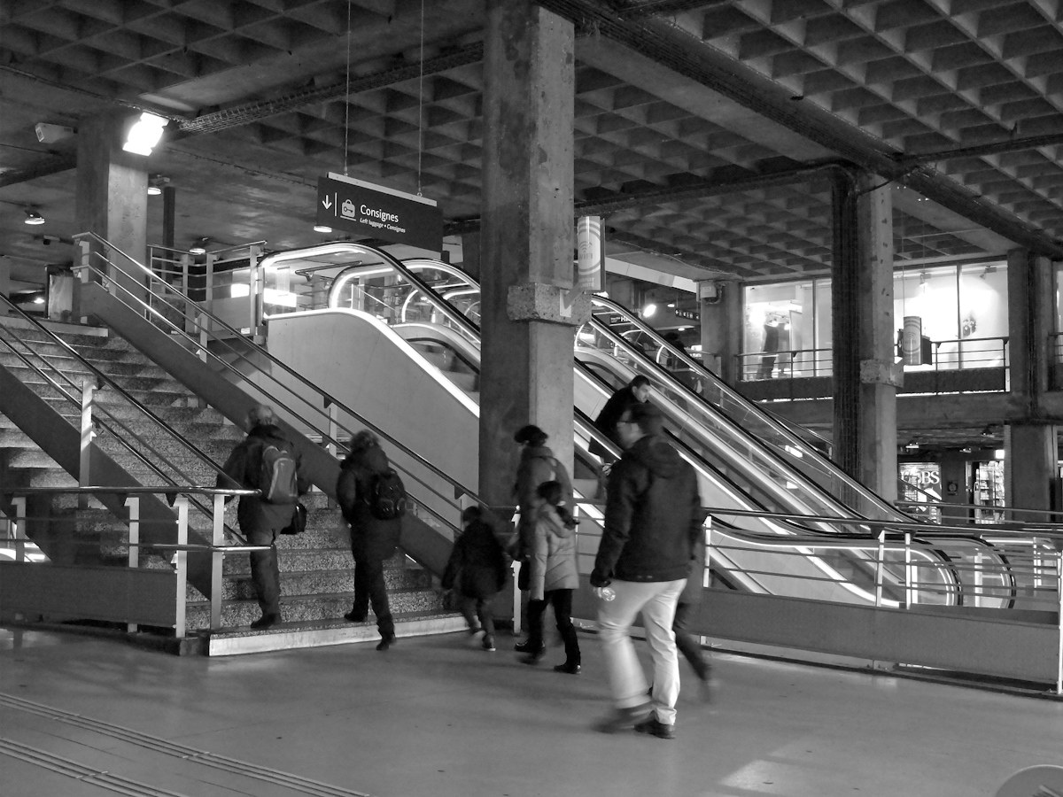 Station montparnasse paris...