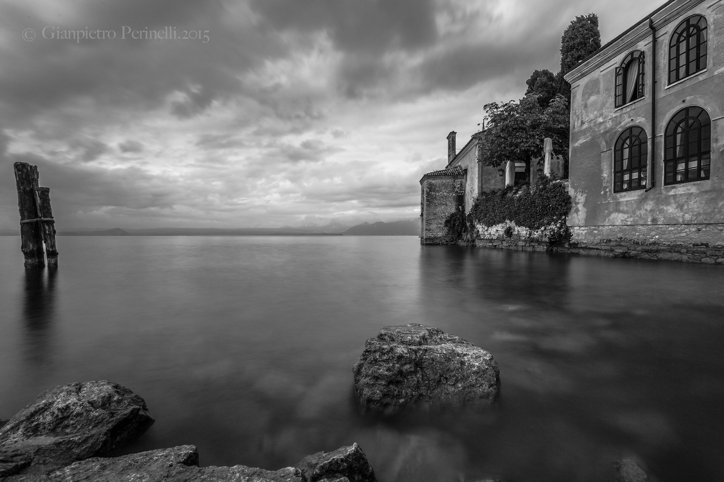 Punta San Vigilio in bianco e nero...