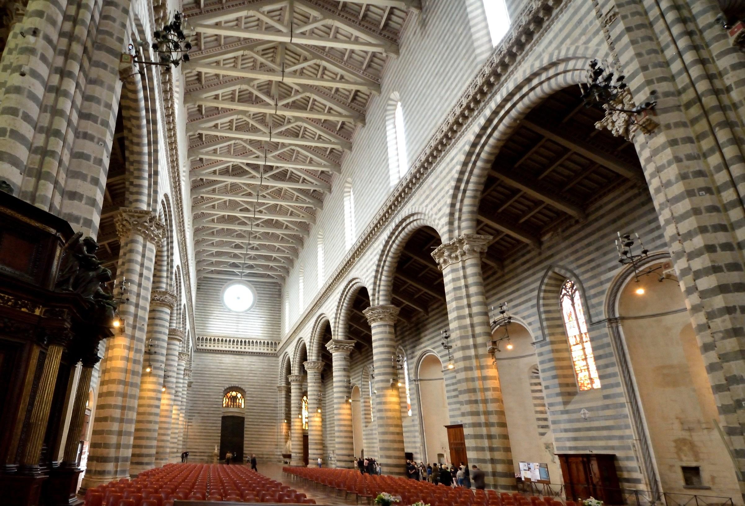 Orvieto la cattedrale interno juzaphoto for Interno j