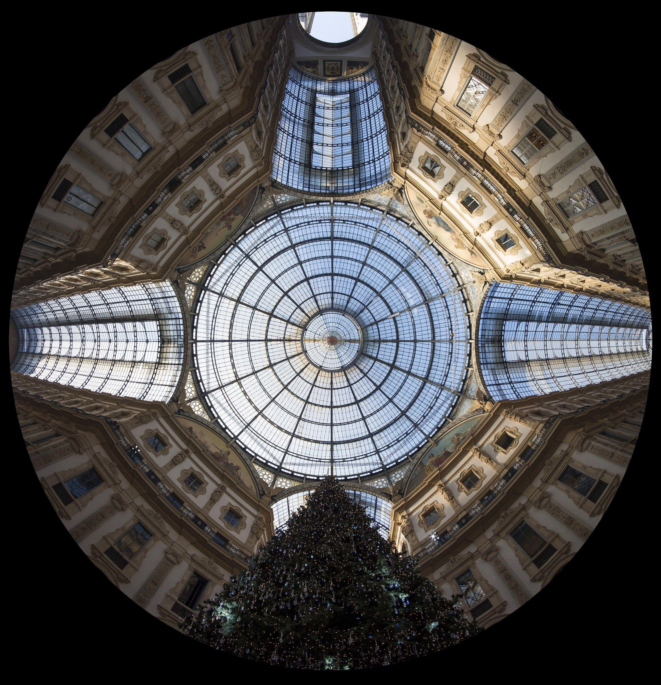 Ottagono della Galleria con albero di Natale - 1...