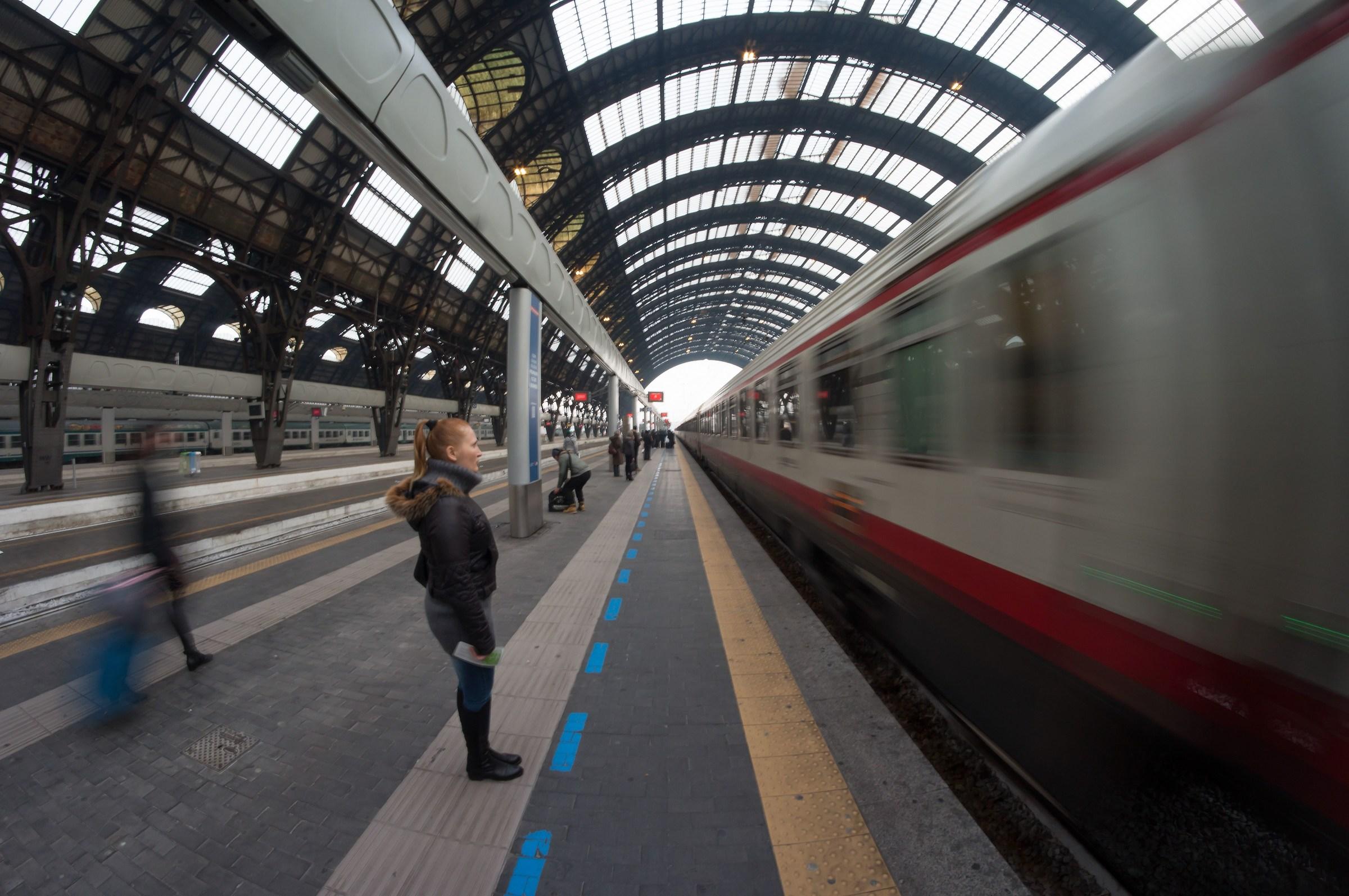 Arrivo del Frecciabianca in Centrale - 2...