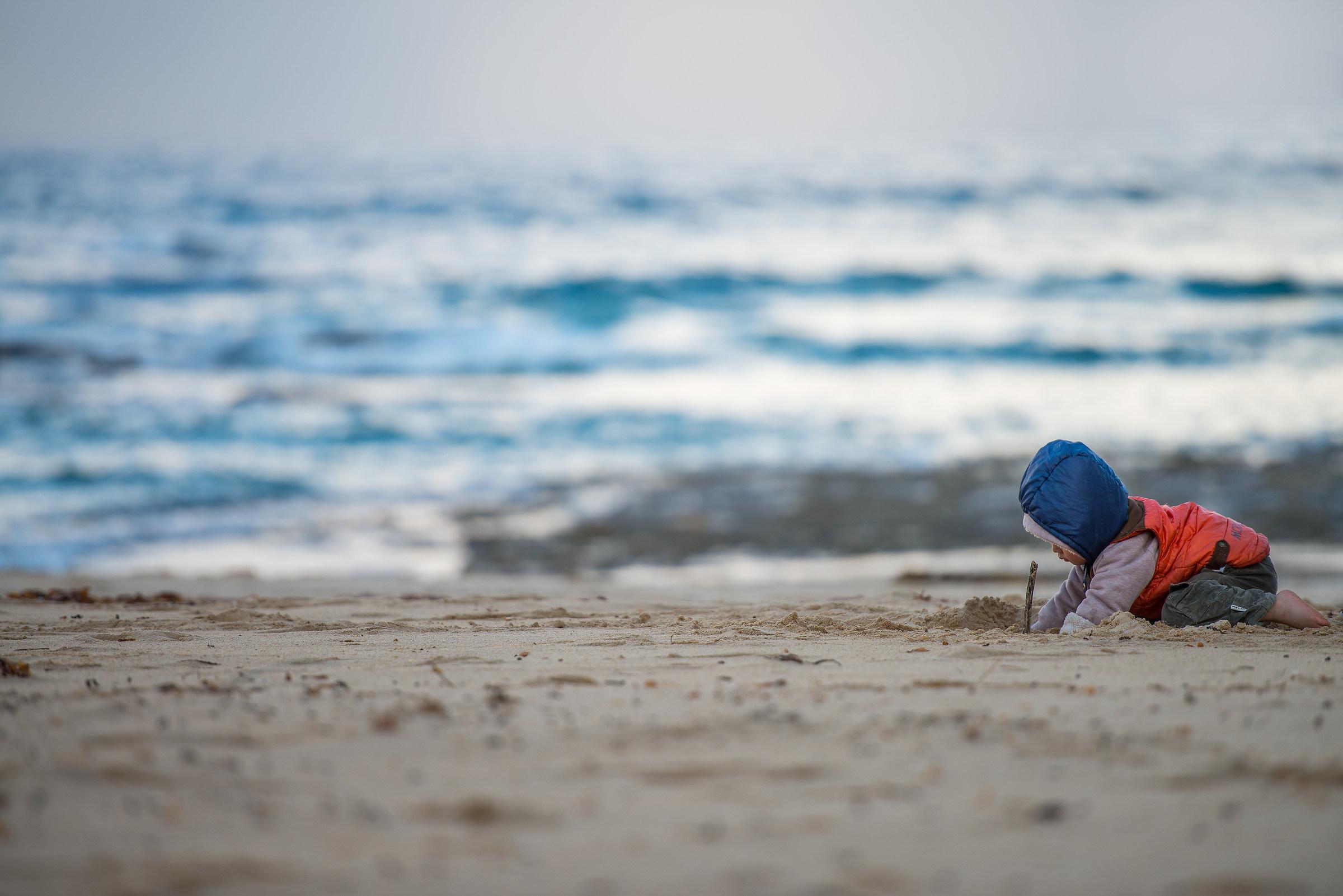 bimbo nella sabbia...