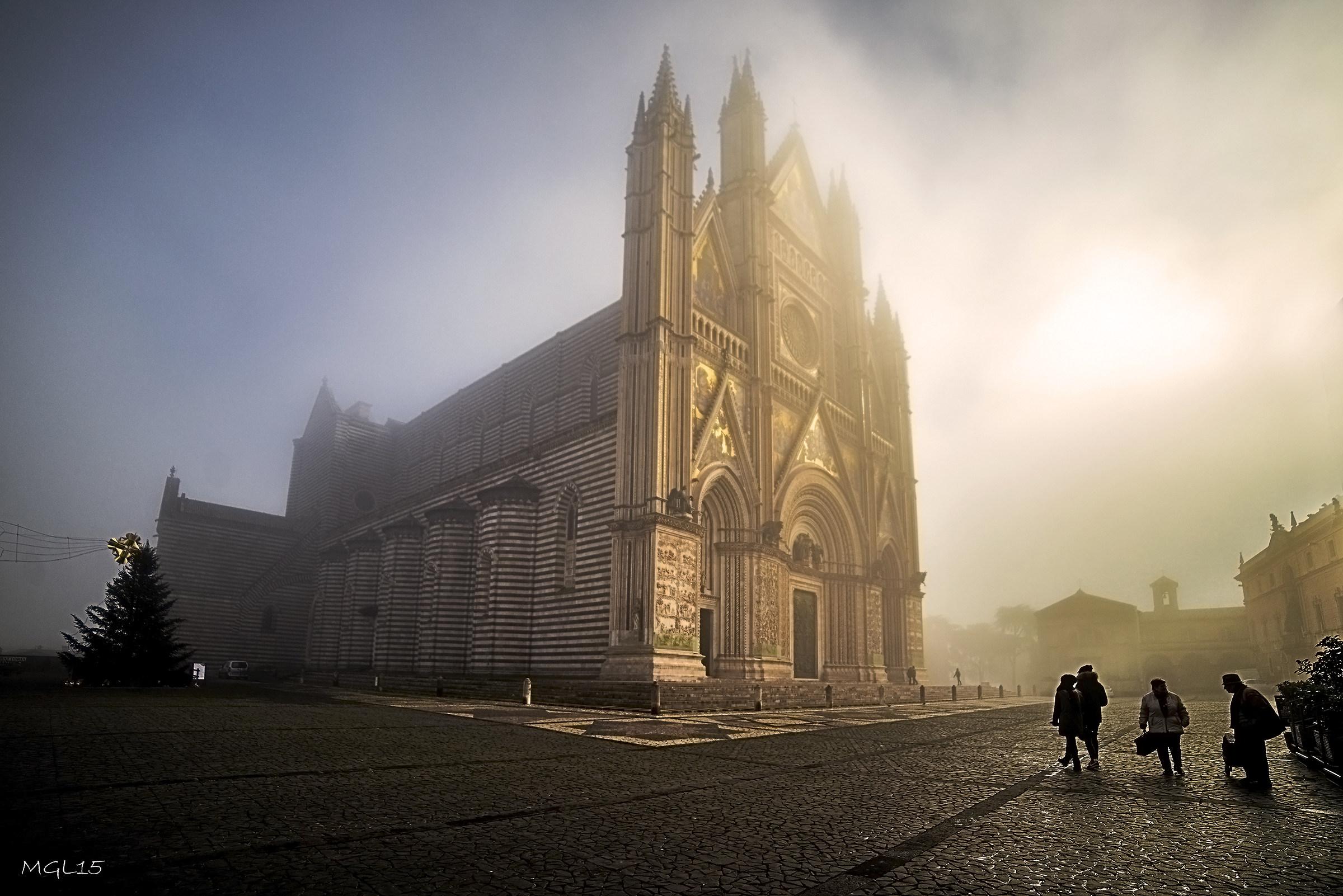 Il Duomo tra nebbia e sole...