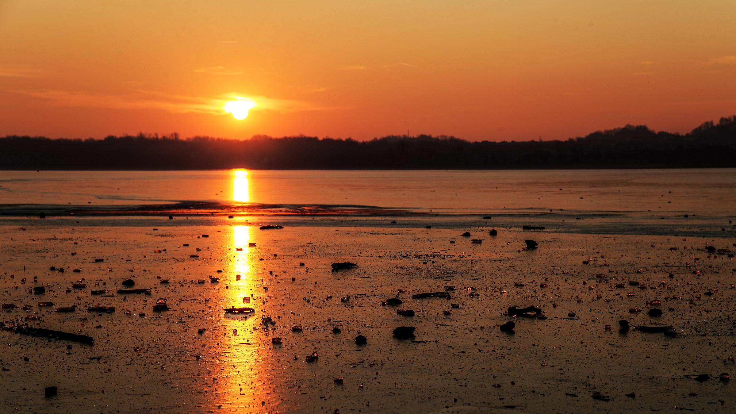 Sunset on the lake ice...