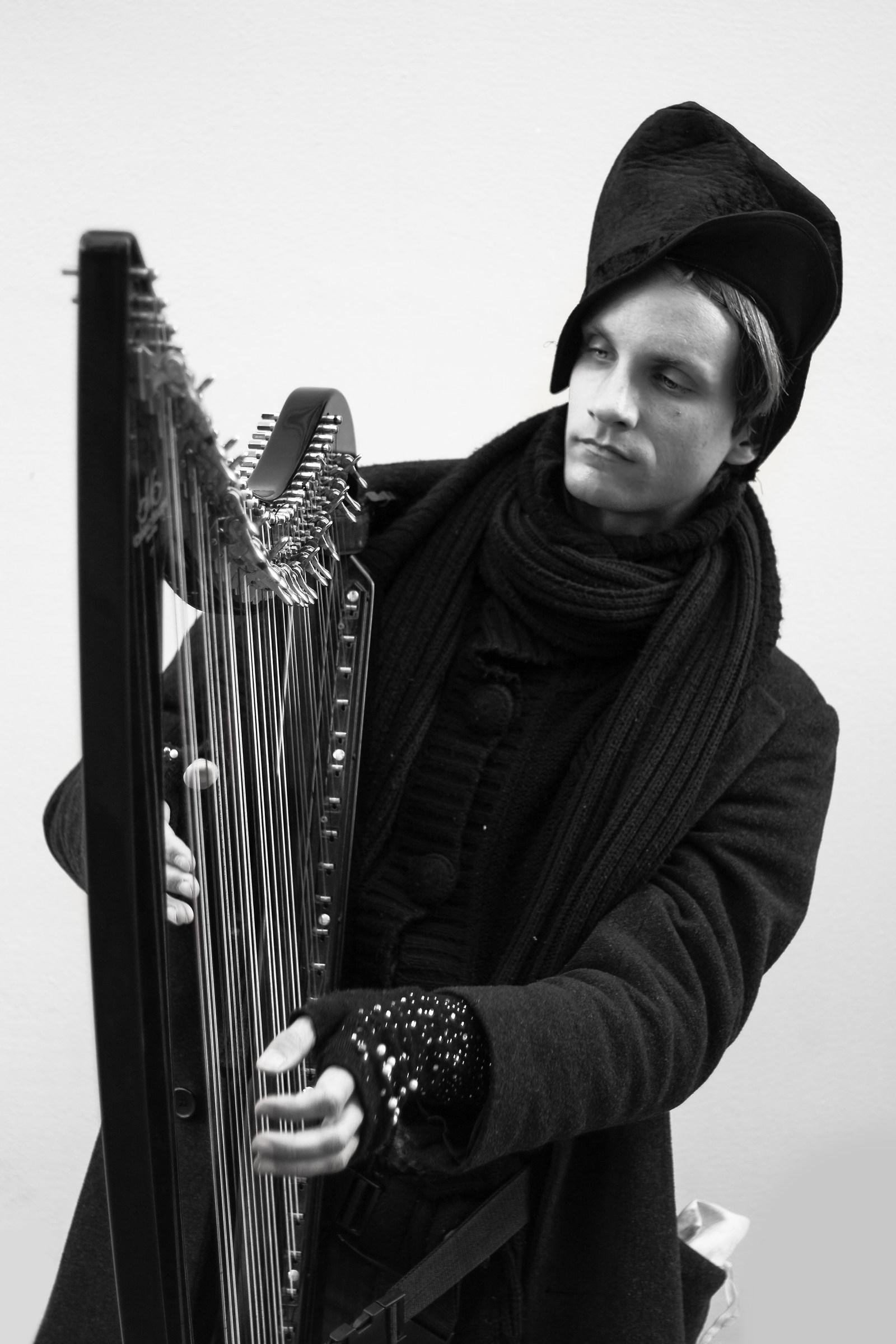 Street Harp...
