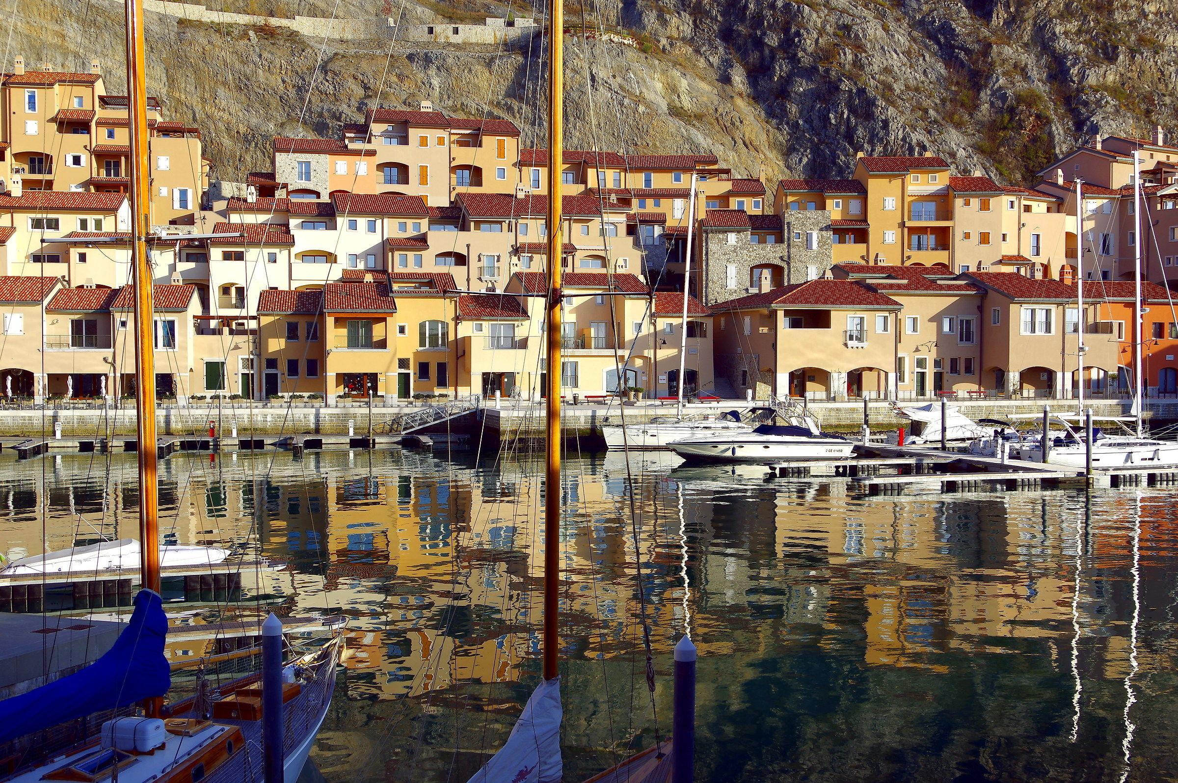 small port...