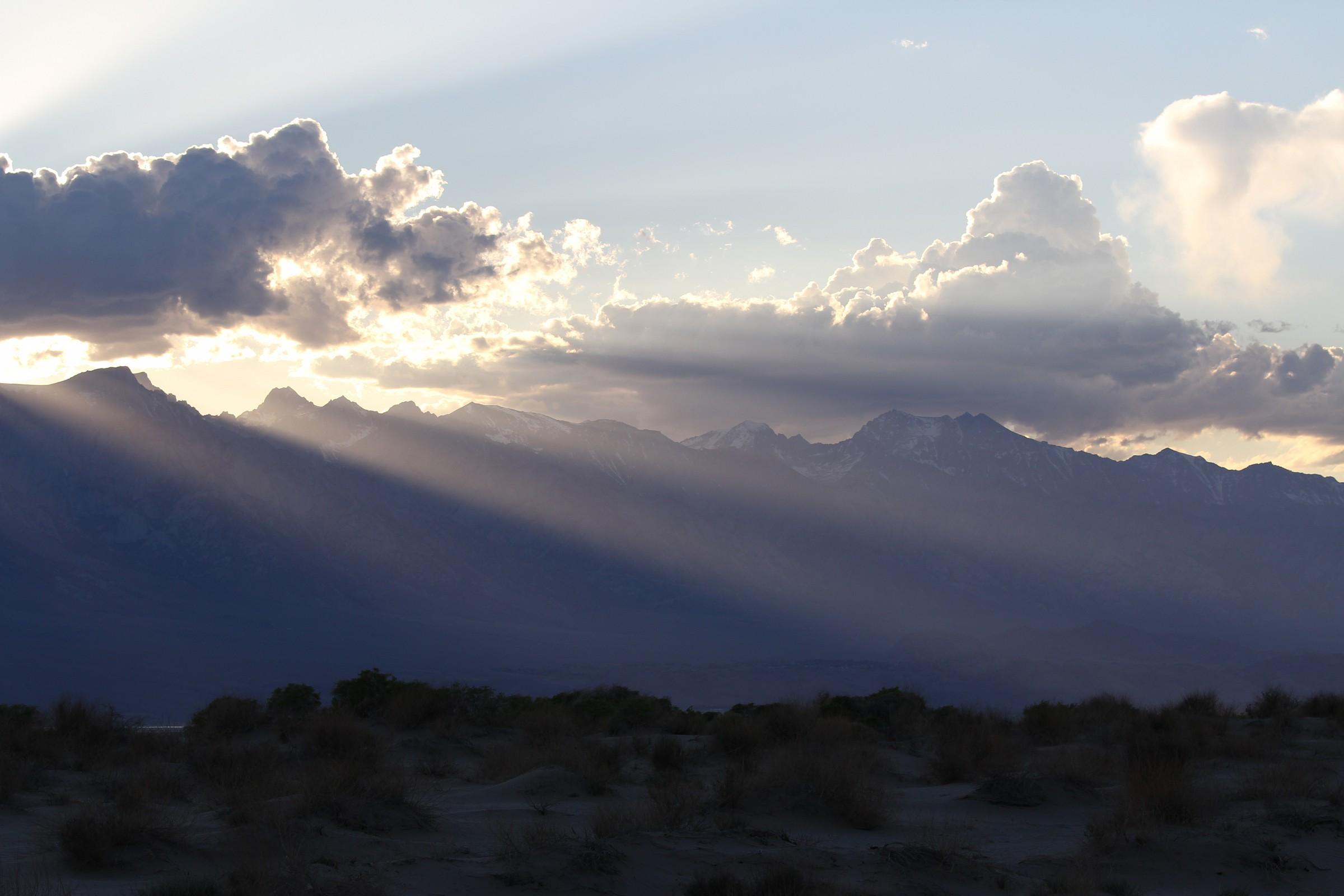 Sierra Nevada montagne al tramonto...