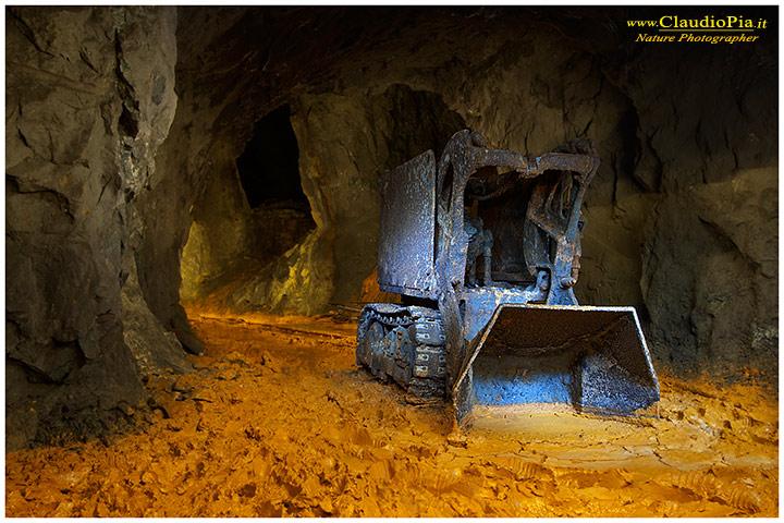 Caricatore ad aria compressa in miniera abbandonata...