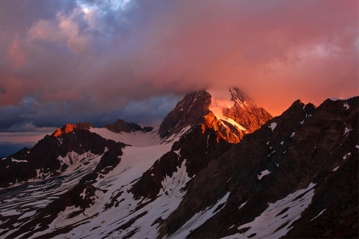 Sunrise on the Great Zebrù...