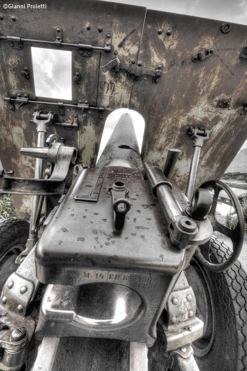 Cannon on Monte Piana...