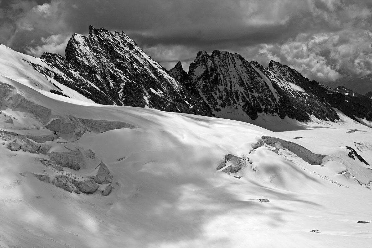 Alpinismo d'altri tempi sulla Dent d'Herens...