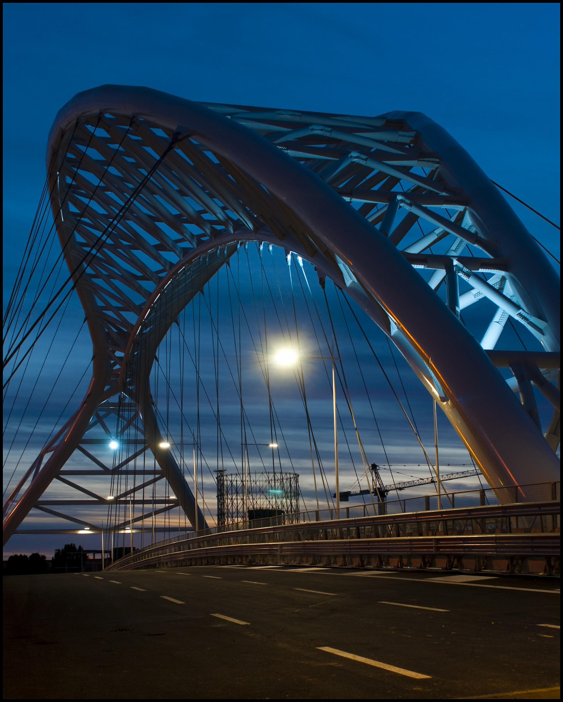 Ponte Settimia Spizzichino (roma ostiense)...