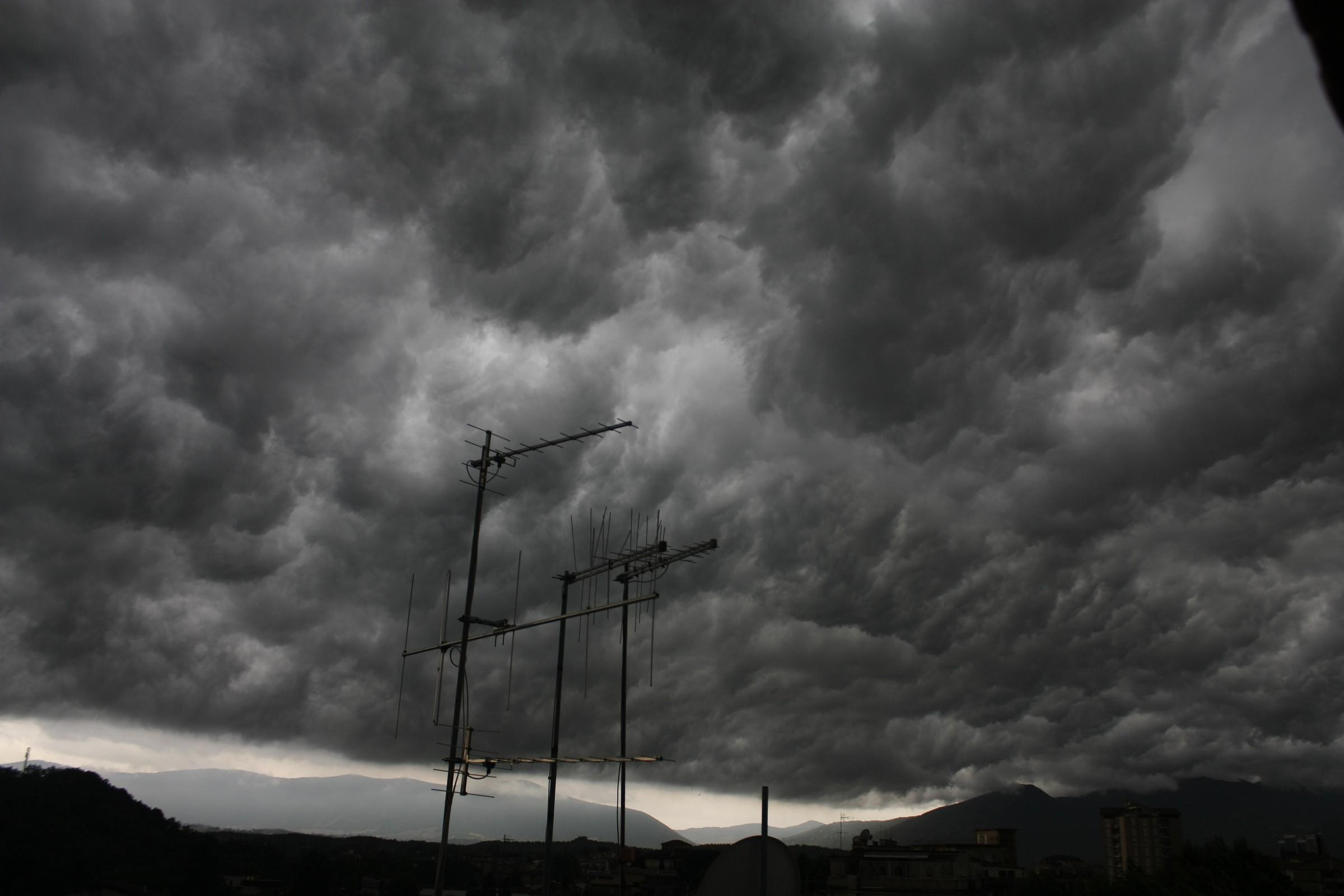 Mammatus dopo la Shelf Cloud...