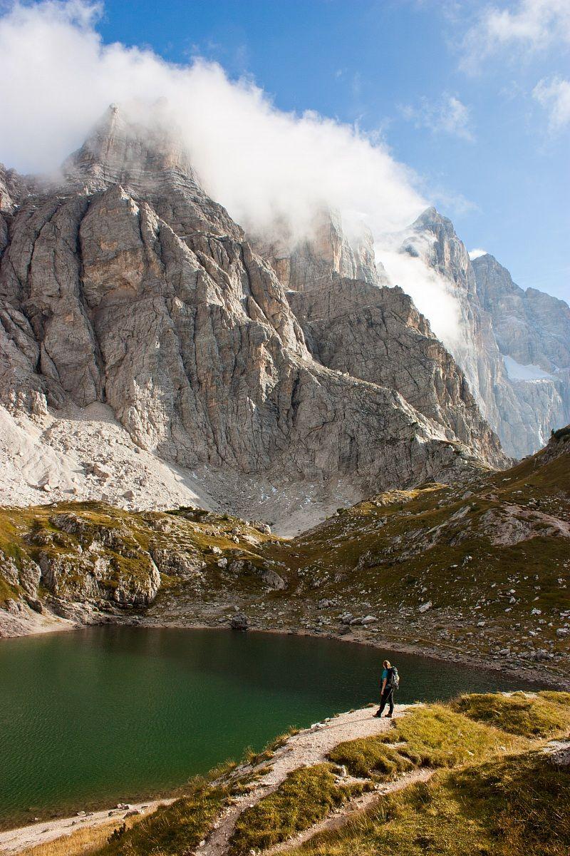 Lago coldai e monte civetta sullo sfondo...