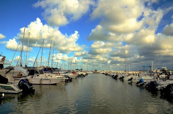 Marina di pescara porto turistico juzaphoto for Mercatino dell usato pescara