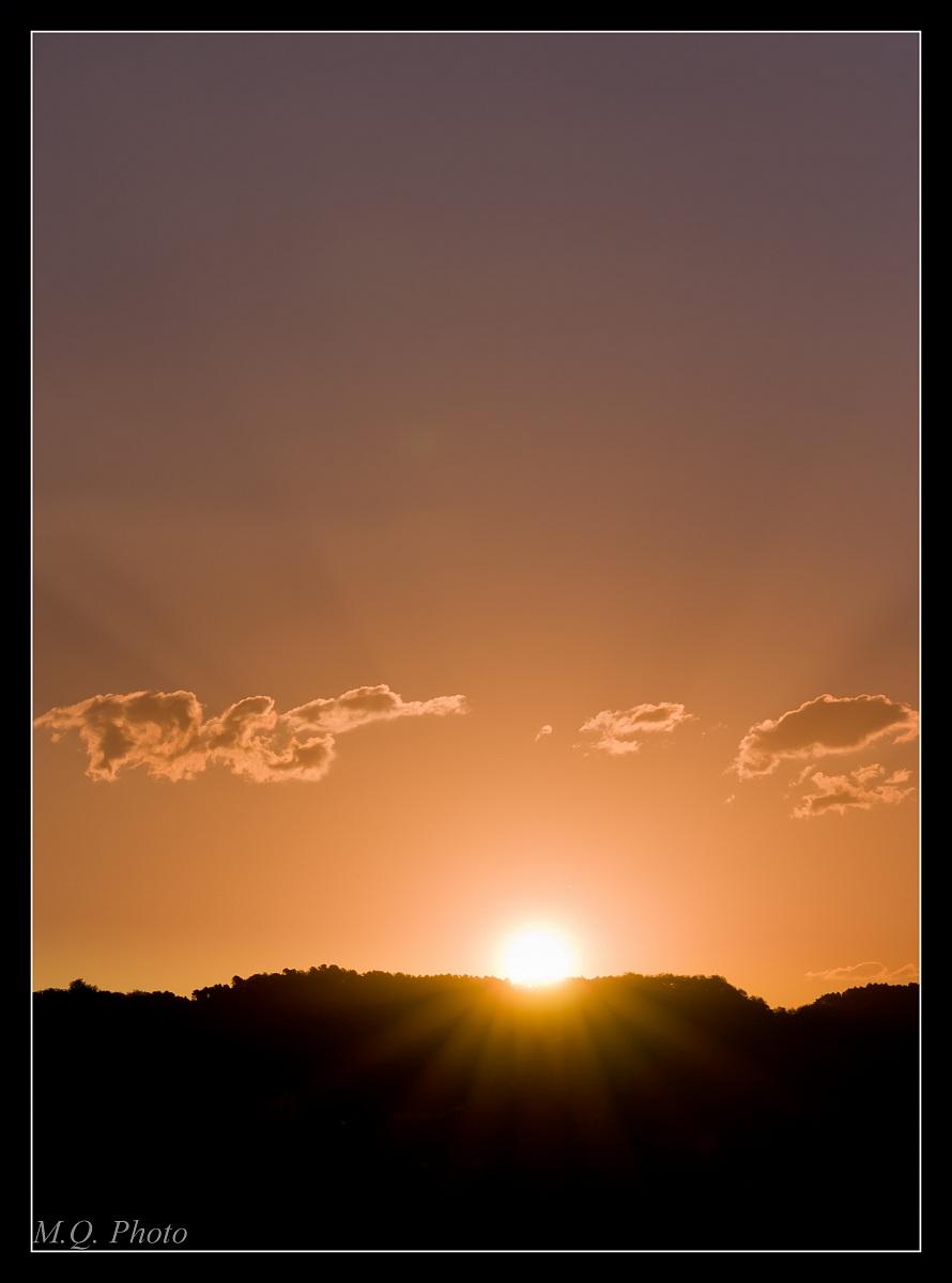 Alba sulle colline Lucchesi...