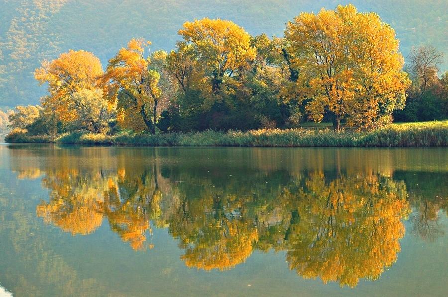 Autunno sul Lago di Endine...