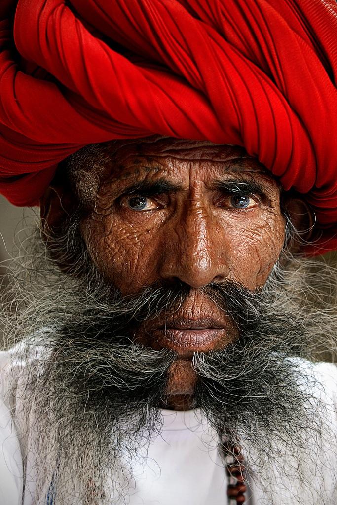 Anziano Rabari...