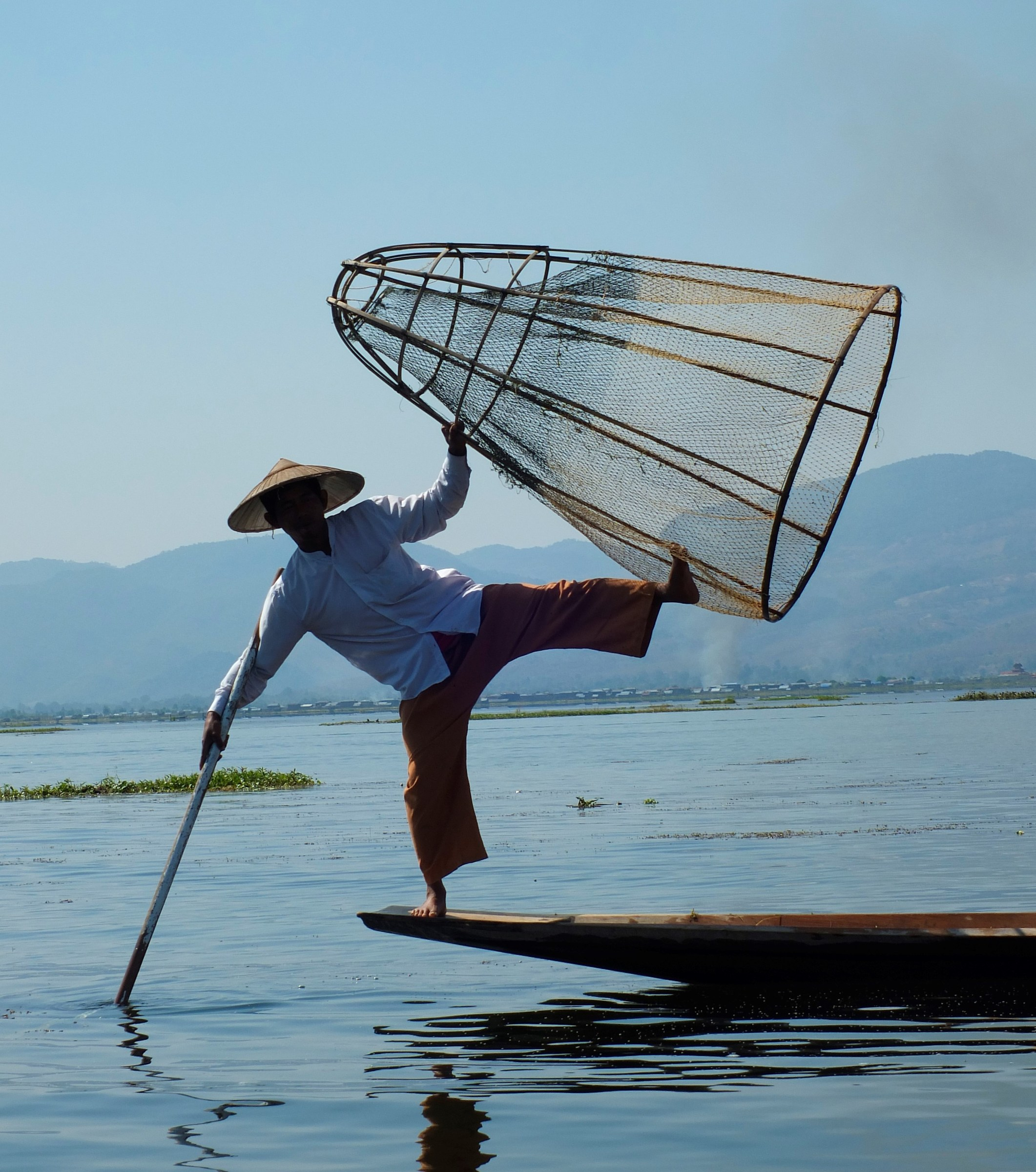 Myanmar/fisherman caught on the fly...