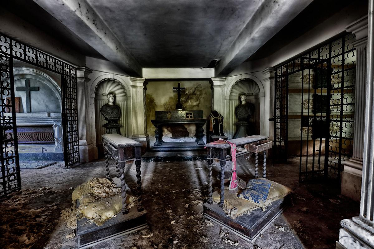 The Kinky Mausoleum...