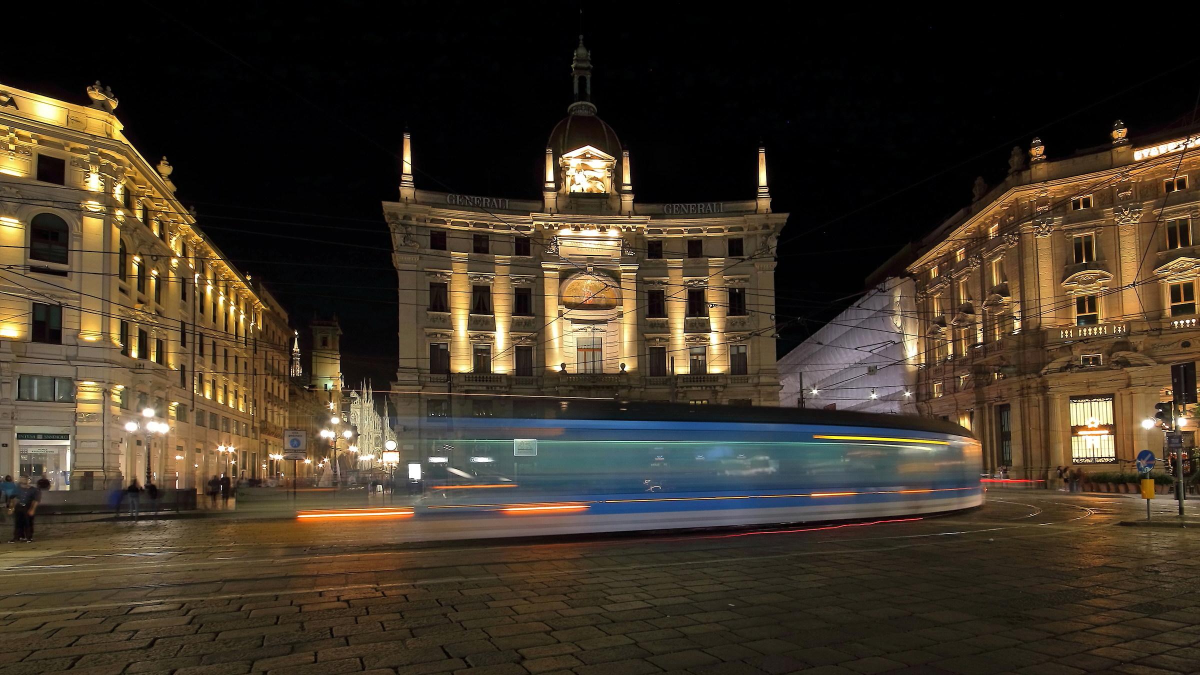 Cordusio Square in the passage of 14...
