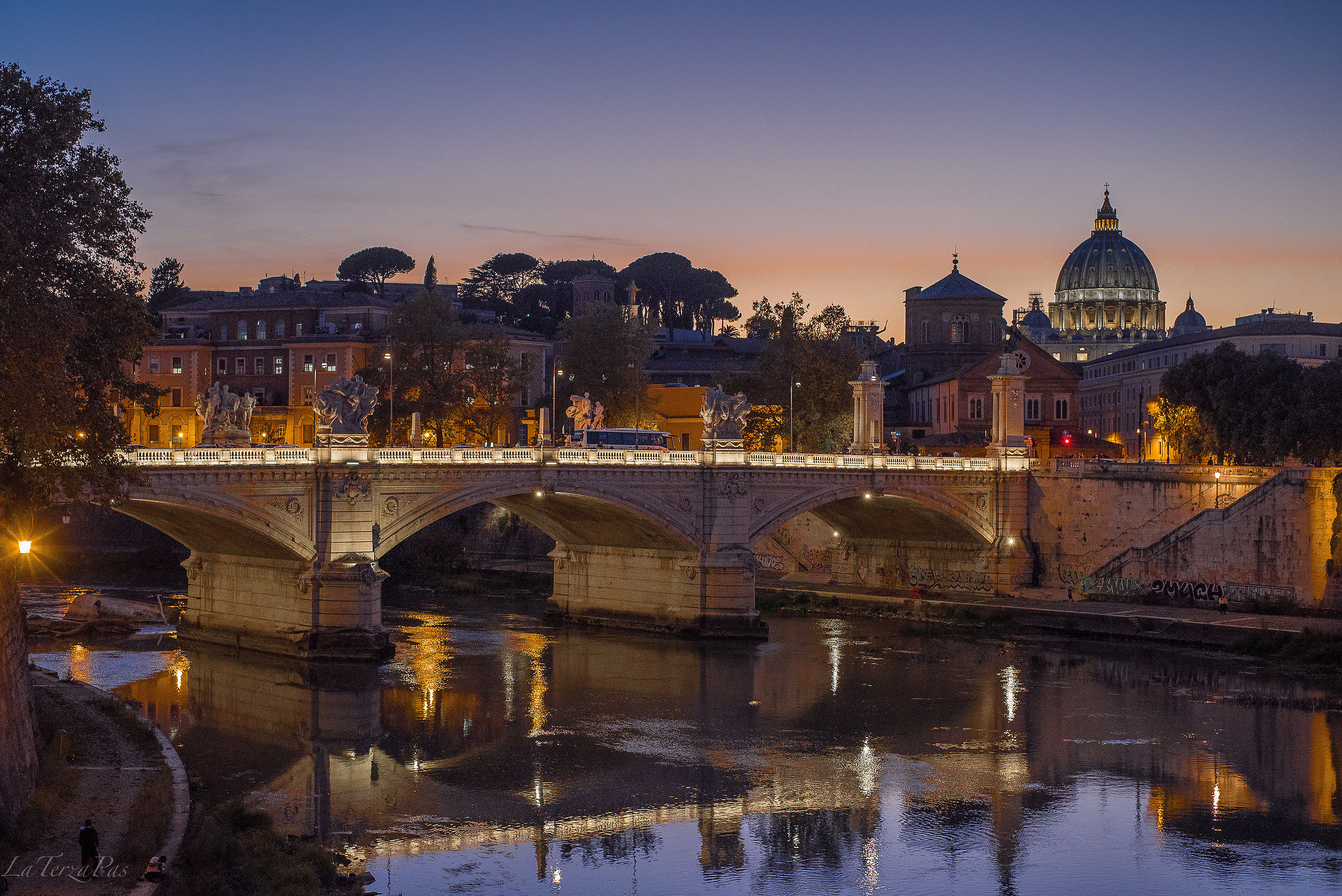 ... from the bridge of Castel Sant ' Angelo...