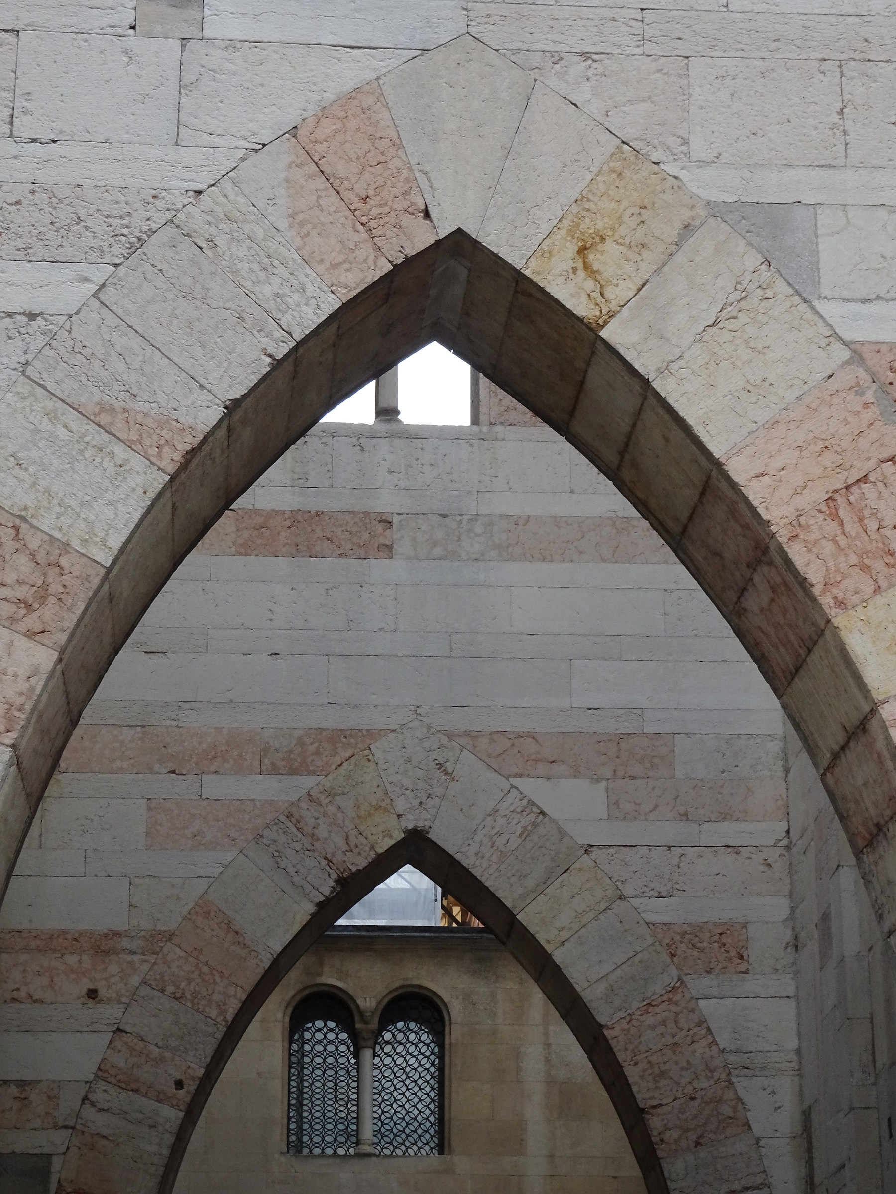 Correspondence of Arches and mullioned Windows-Duomo of Modena...