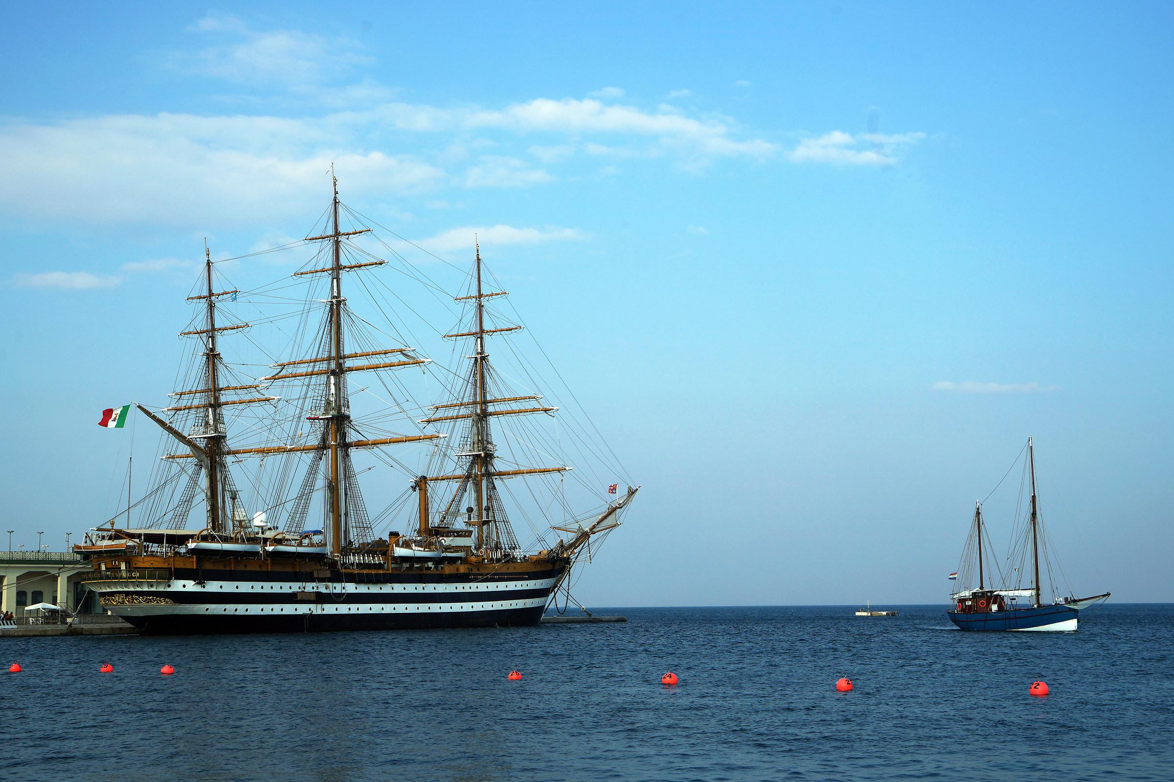 L'Amerigo Vespucci alla Barcolana a Trieste...