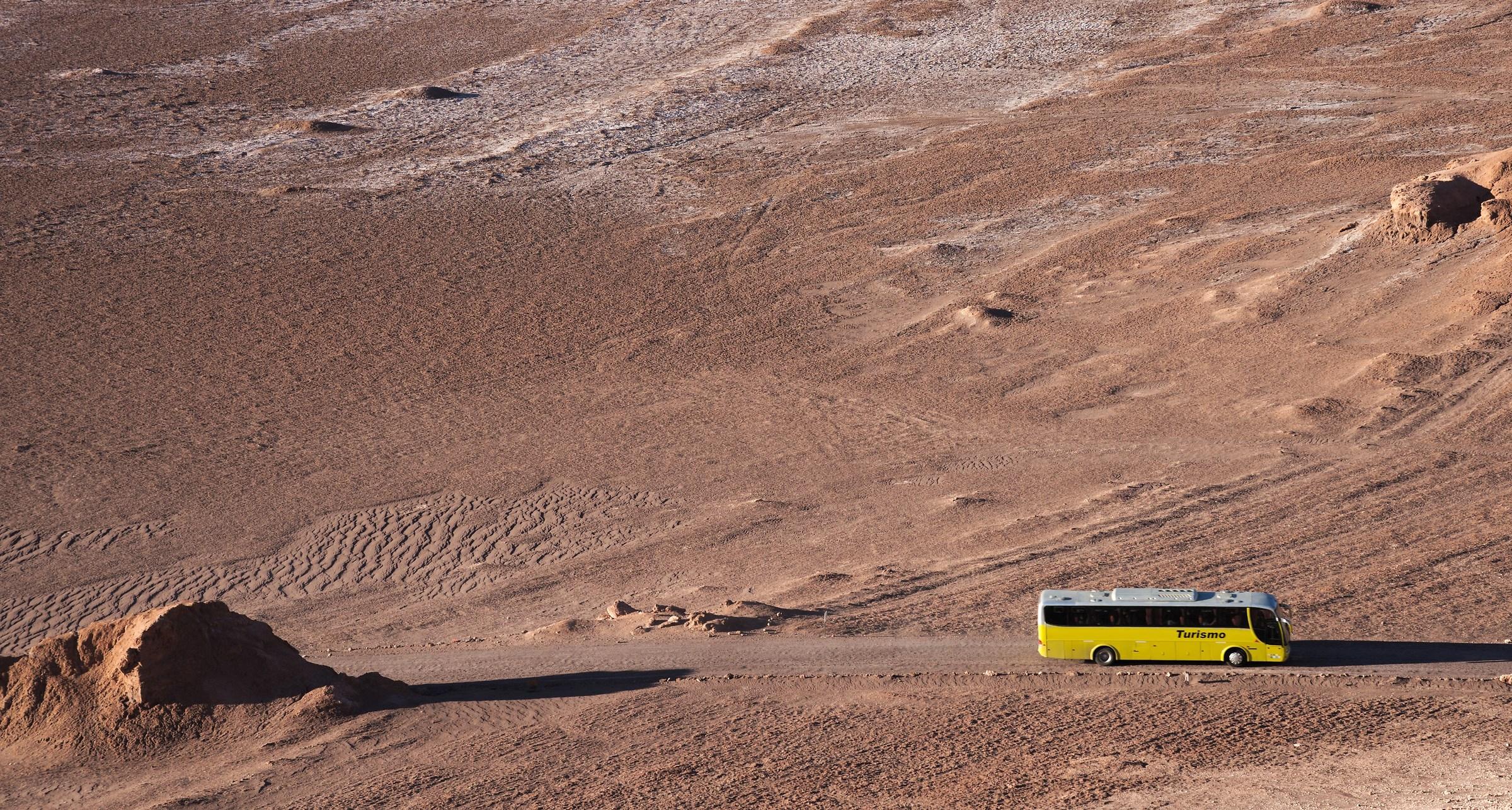 Il turismo è arrivato fin sulla Luna...