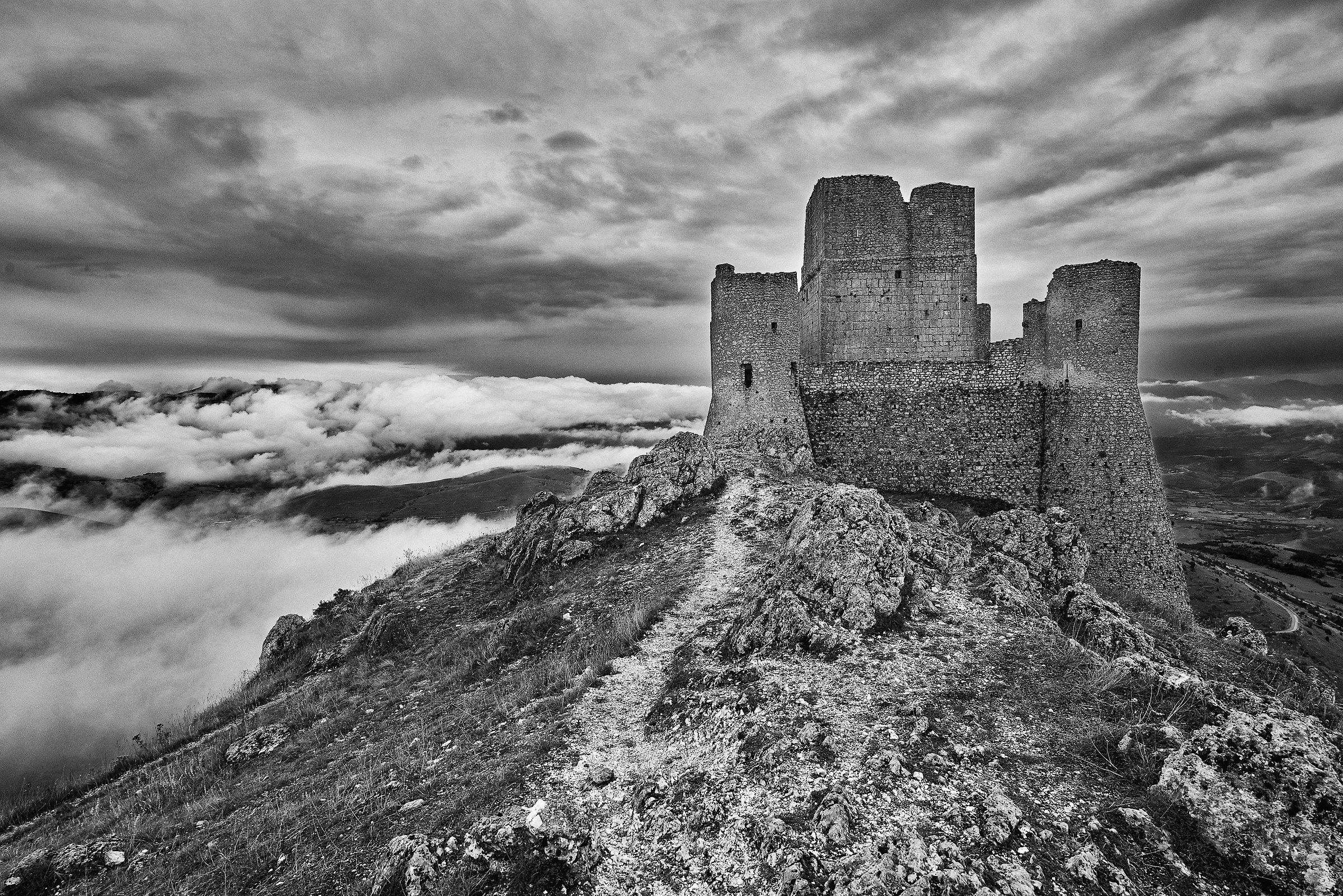 Rocca Calascio B&W...