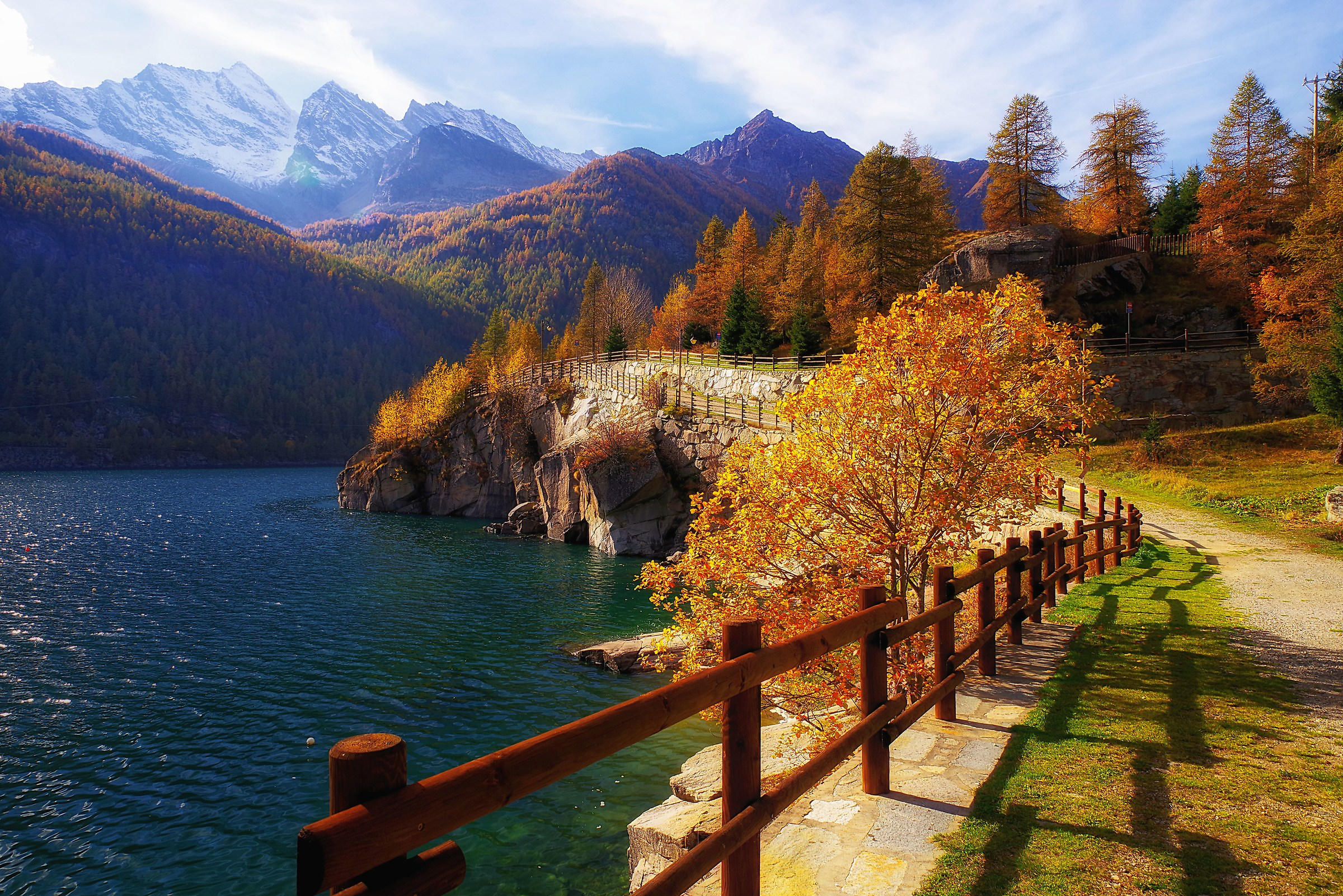 Autumn on Lake Ceresole...