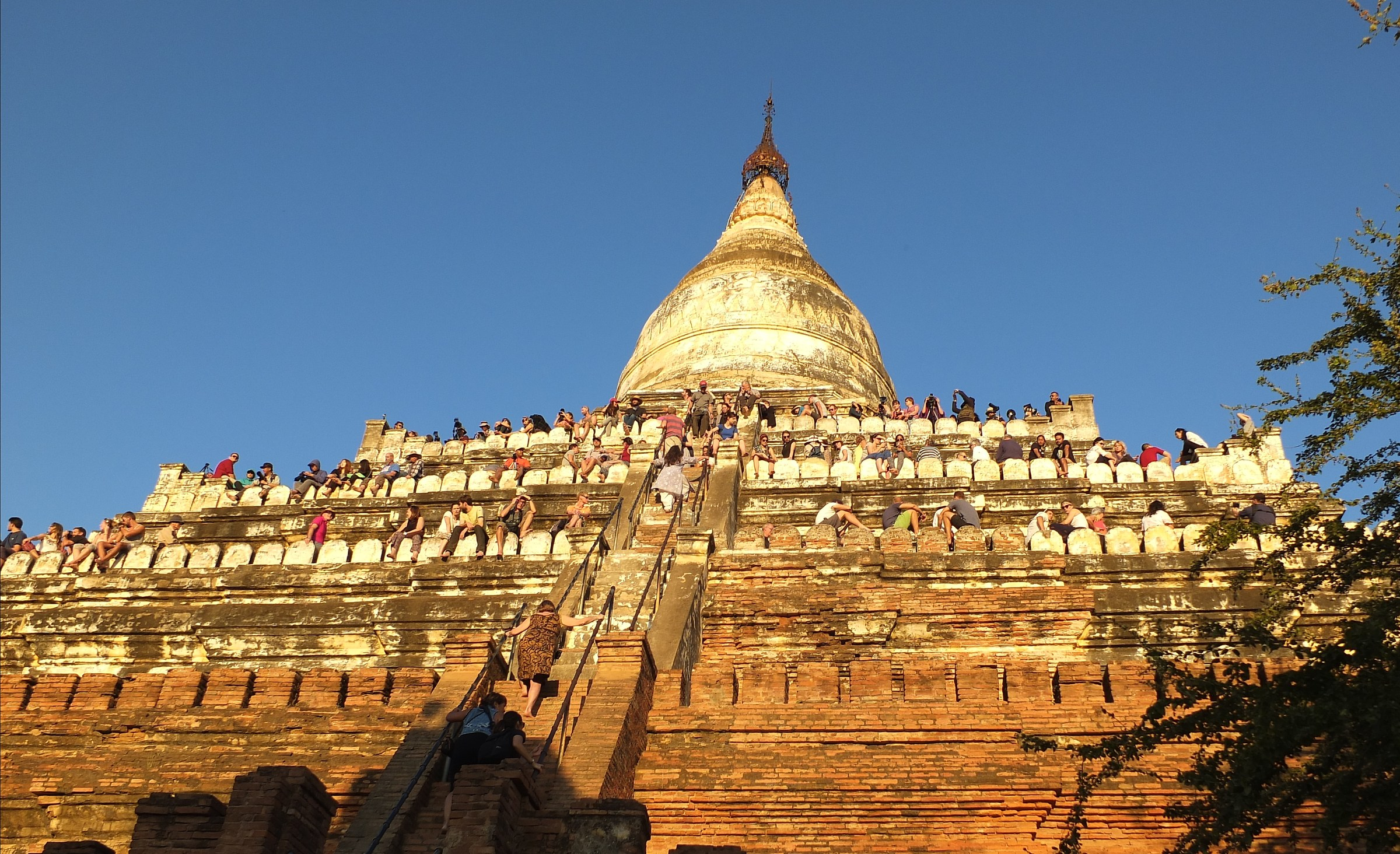 Myanmar/Waiting for the Sunset Bagan...