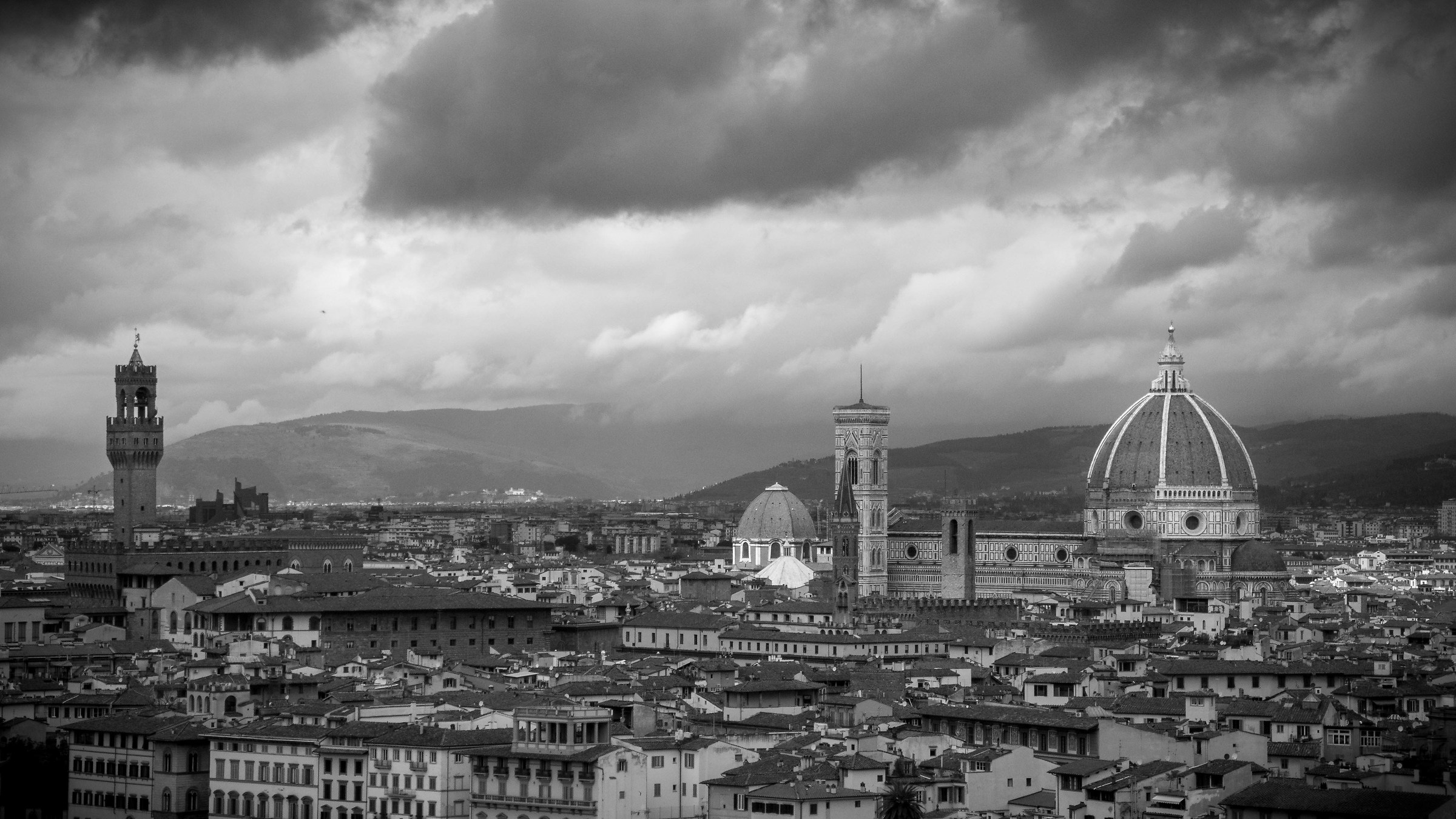 Clouds on Florence...