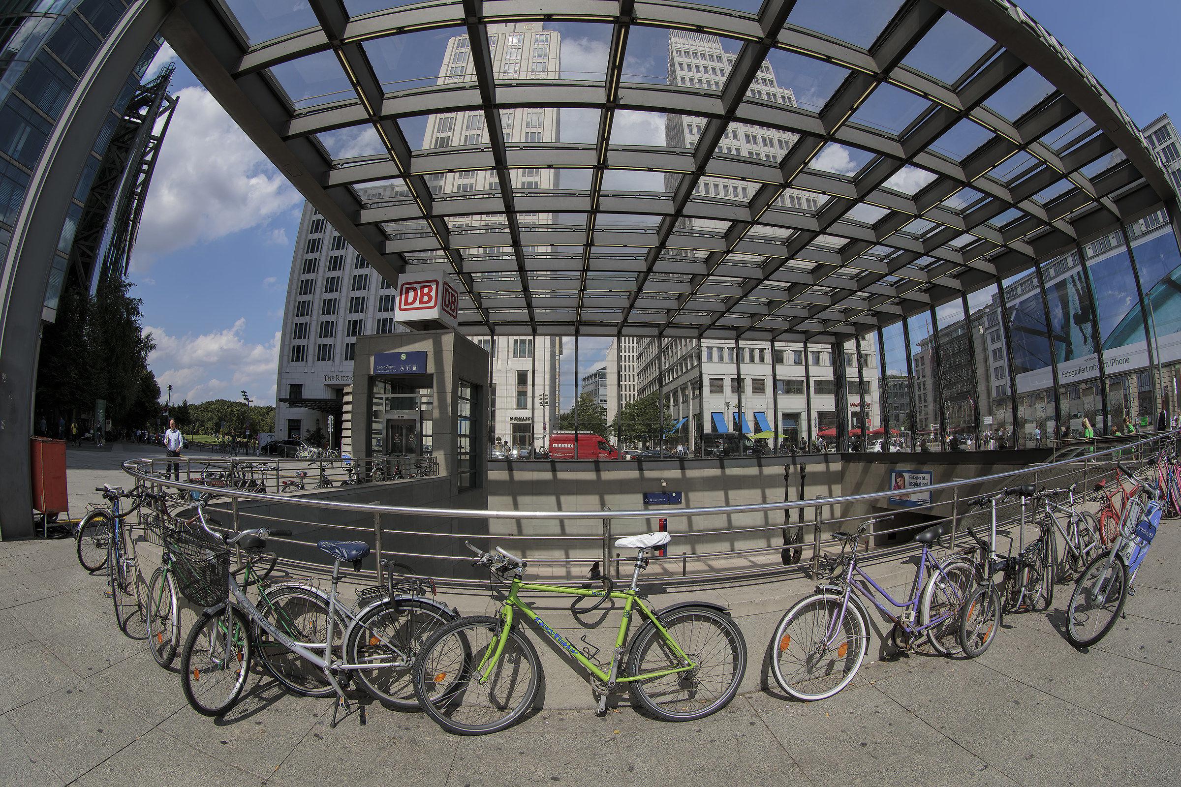 Berlin: Potzdammerplatz...