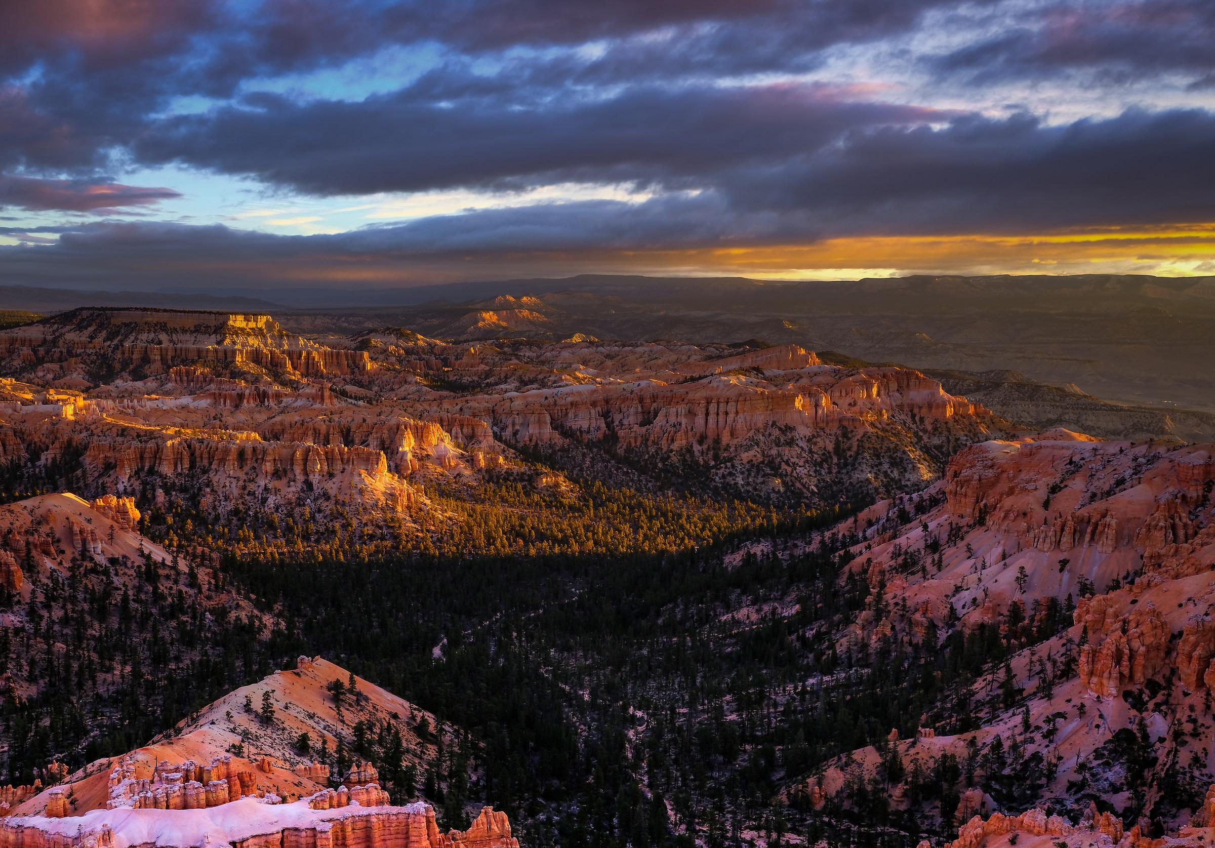Dawn - Bryce Canyon...