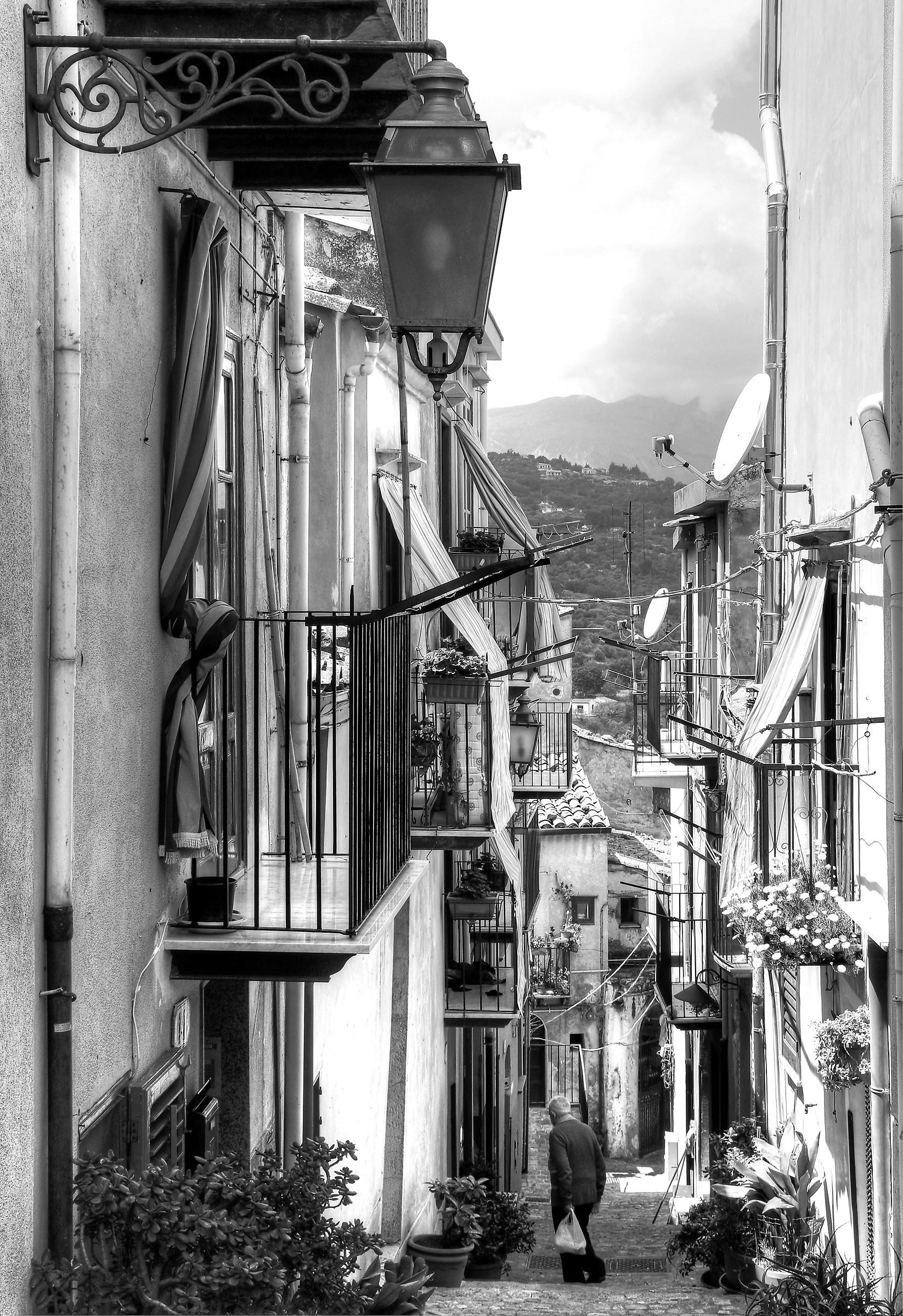 Life of Paese...la descent...