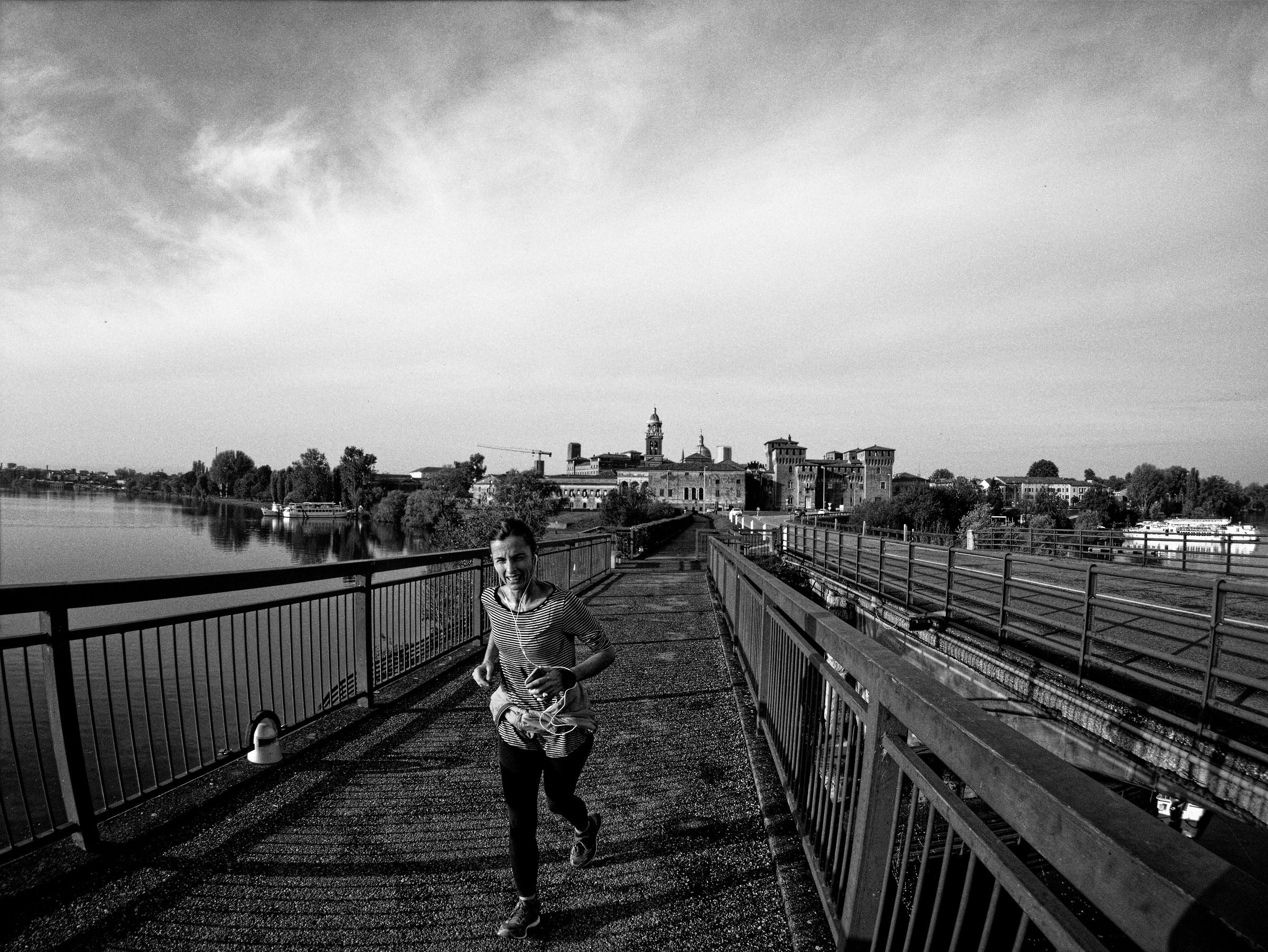 Mantua Runner...