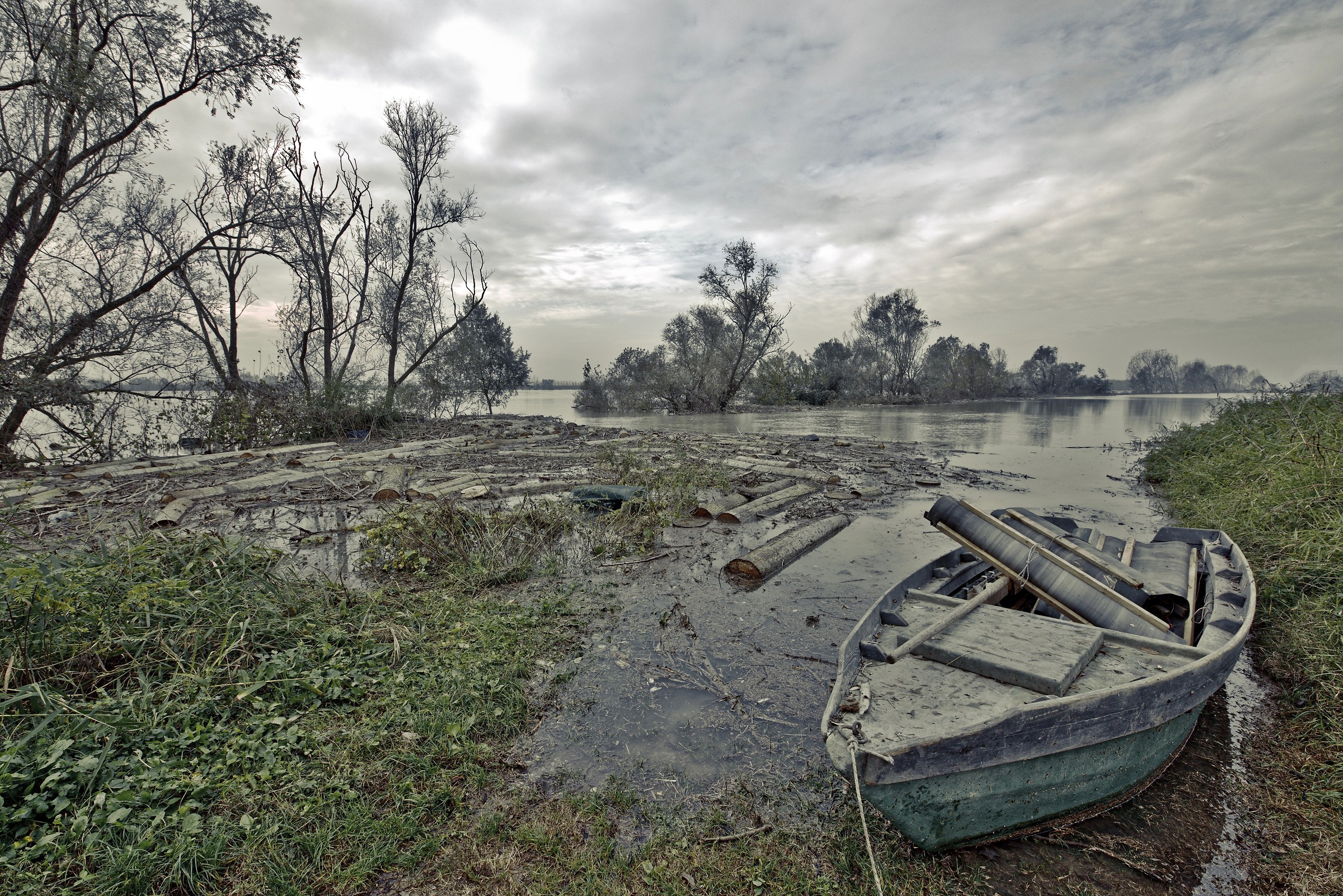 The flood of the Great River...