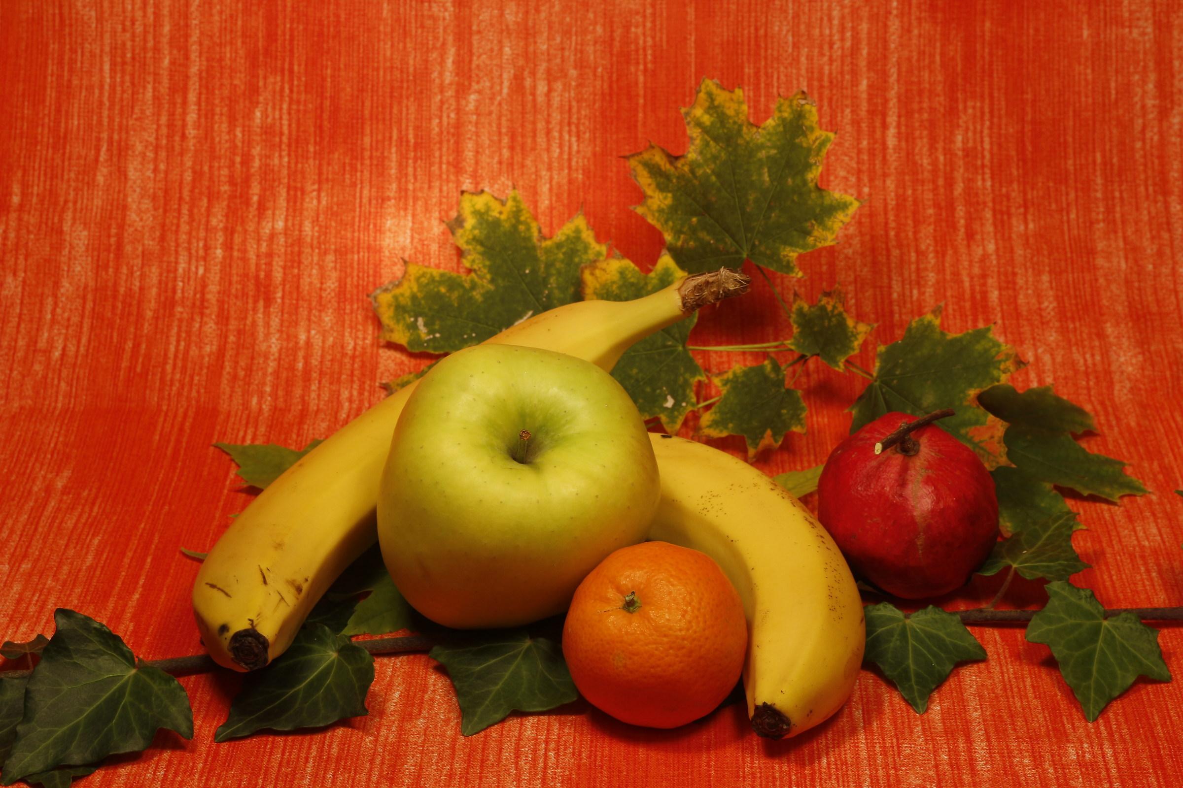 Light tests on fruit...
