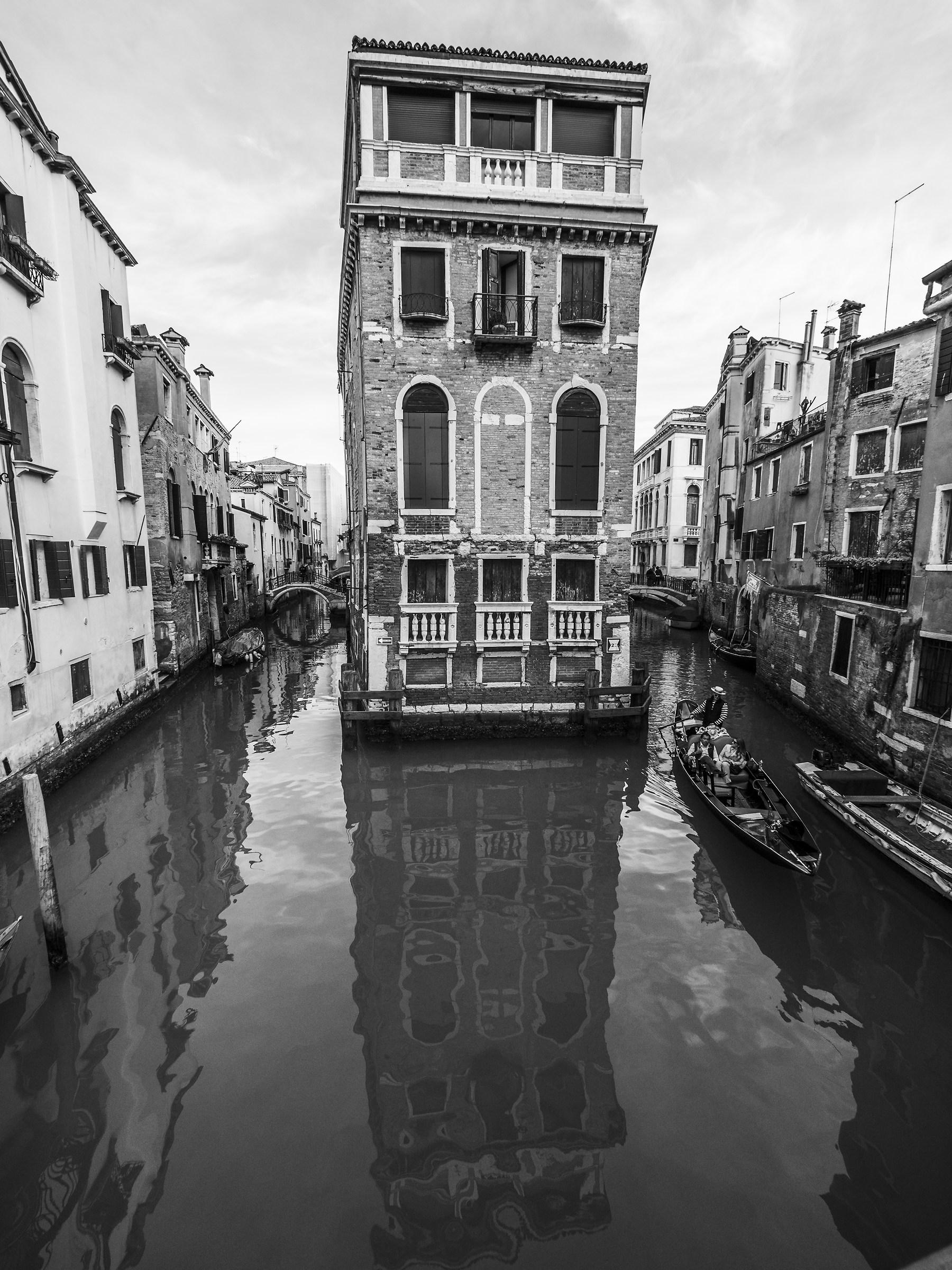 Gondola in rio de la tetta...