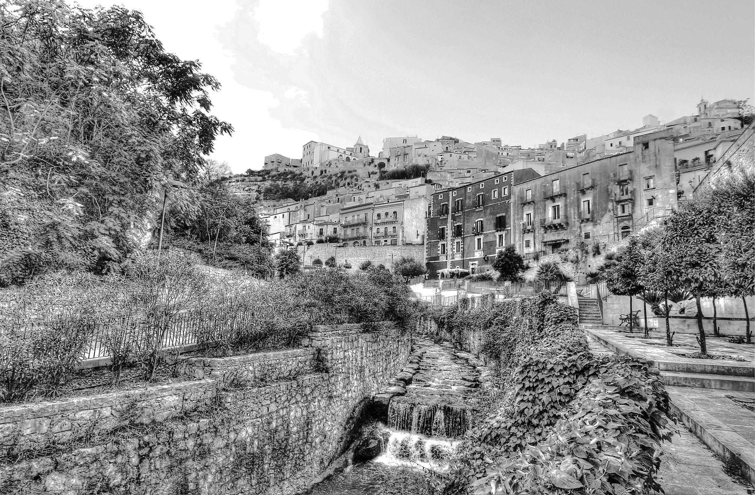 Ibla and the San Leonardo torrent...