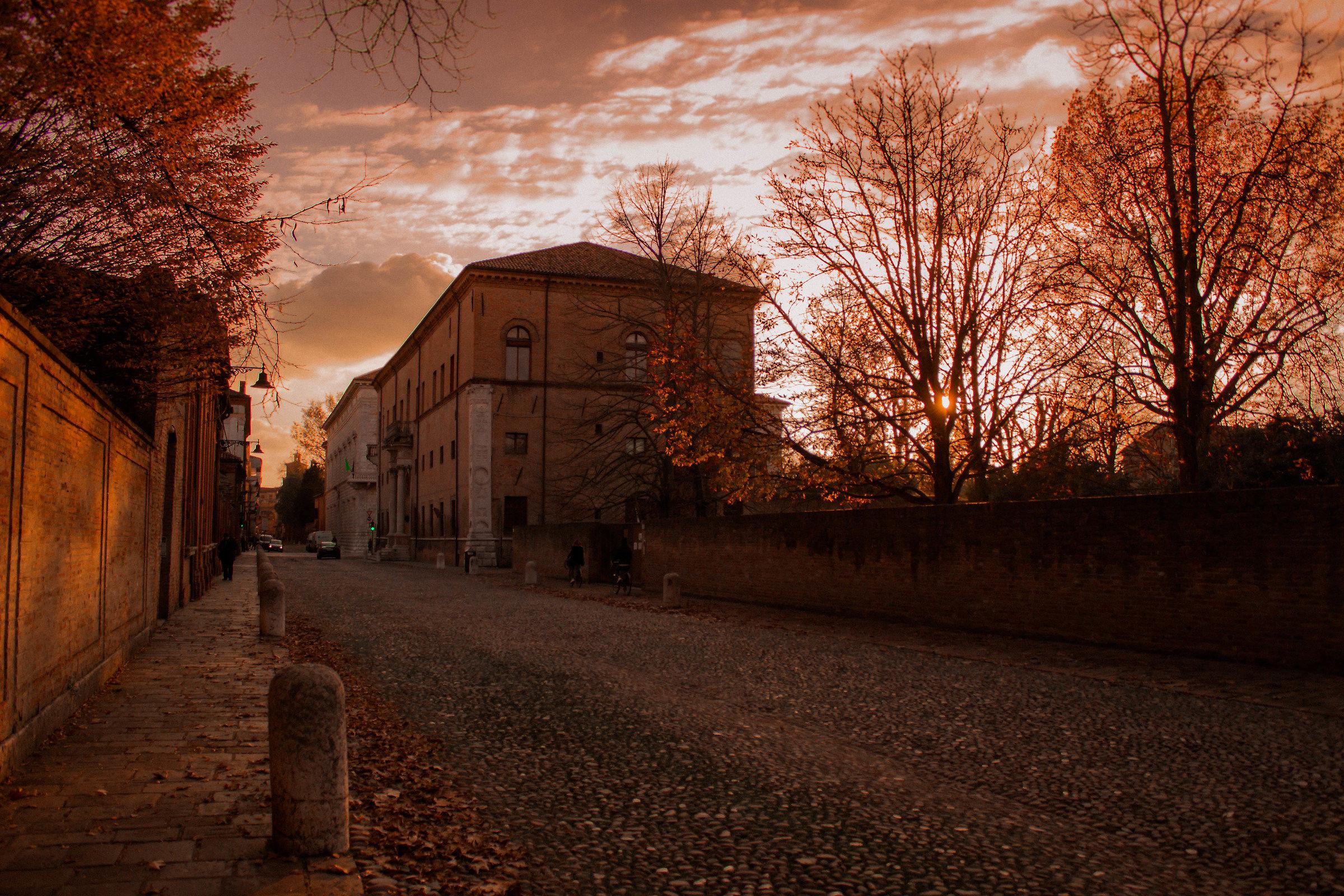 corso Ercole Primo D'Este Ferrara al tramonto...